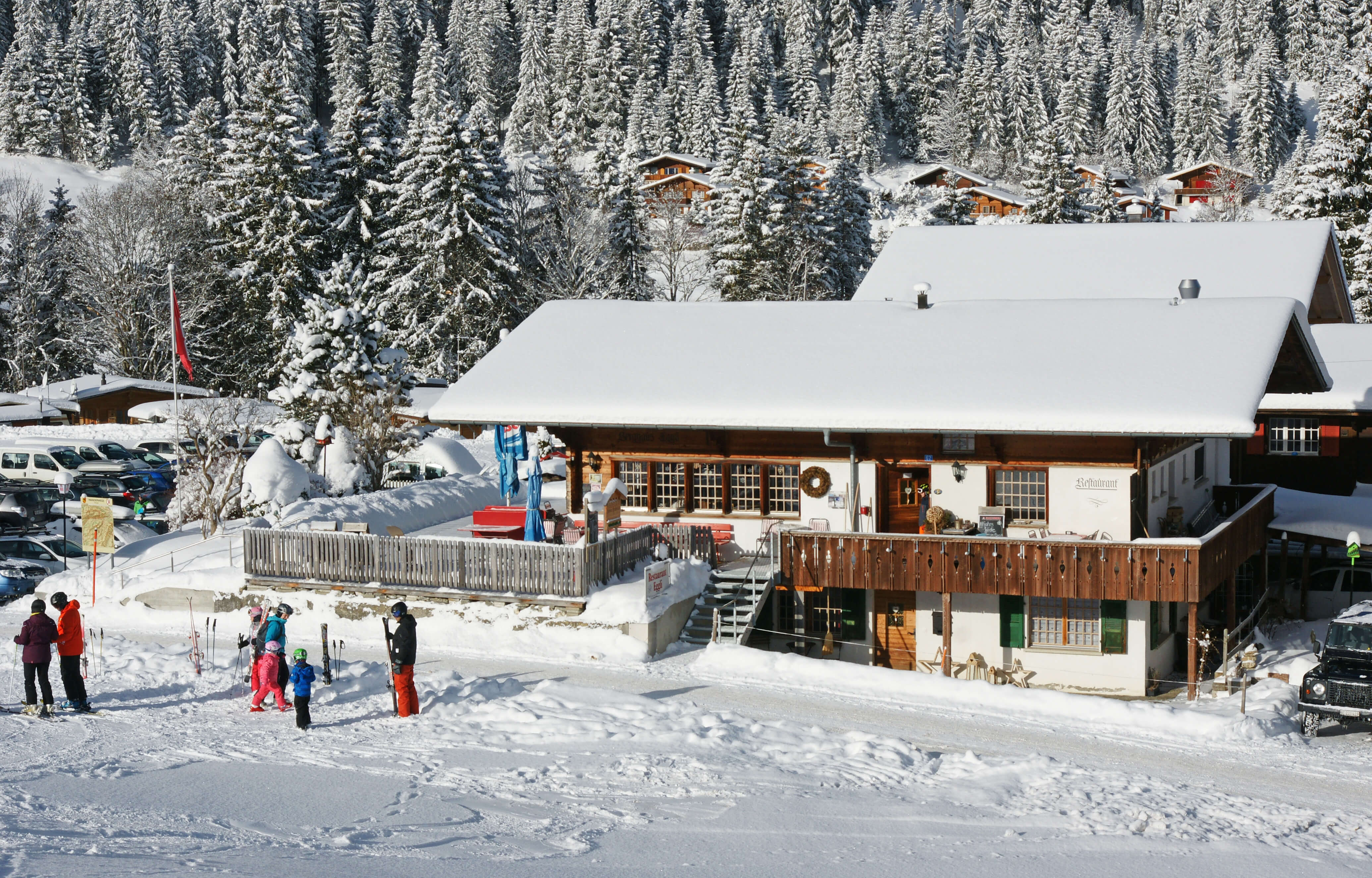 Das Eggli mit Skifahrer