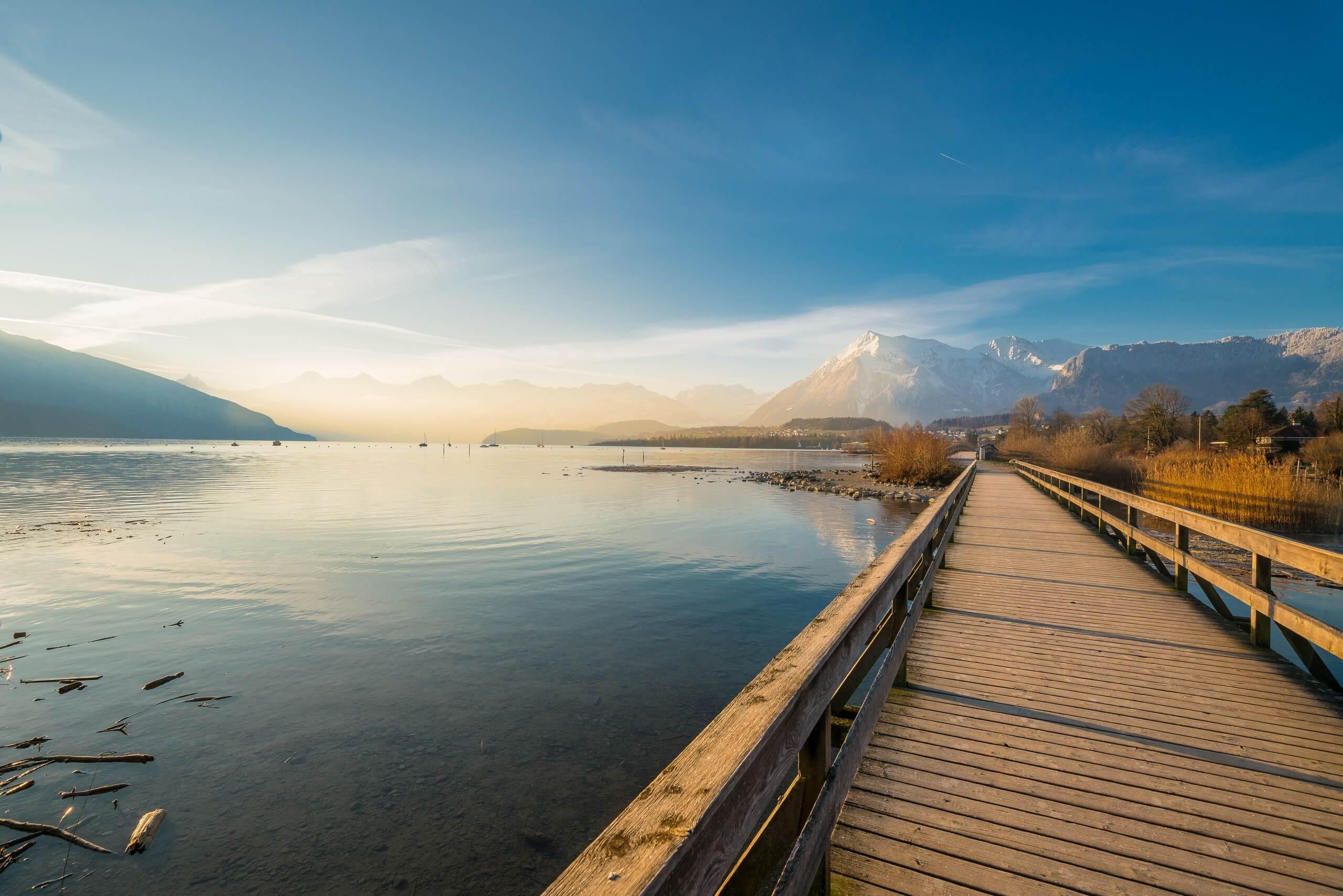 thun-bonstettenpark-panorama-winter-bruecke-niesen-morgen-thunersee-spazier-uferwege