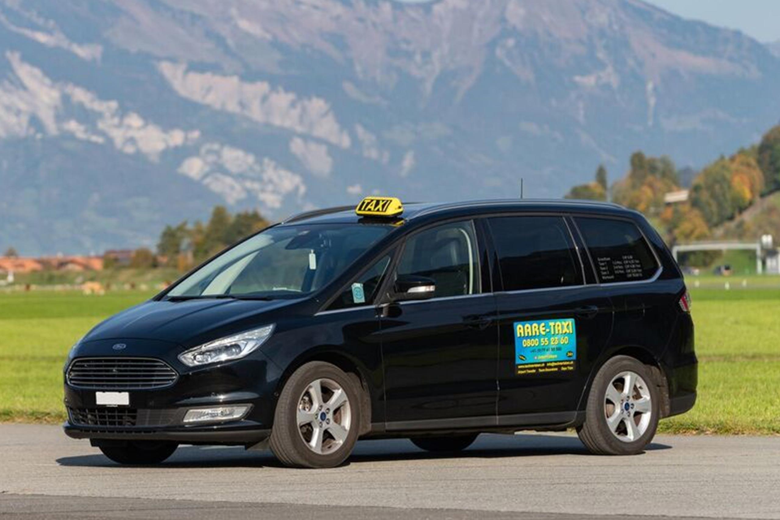 aare-taxi-fahrzeug-ford-schwarz.jpg