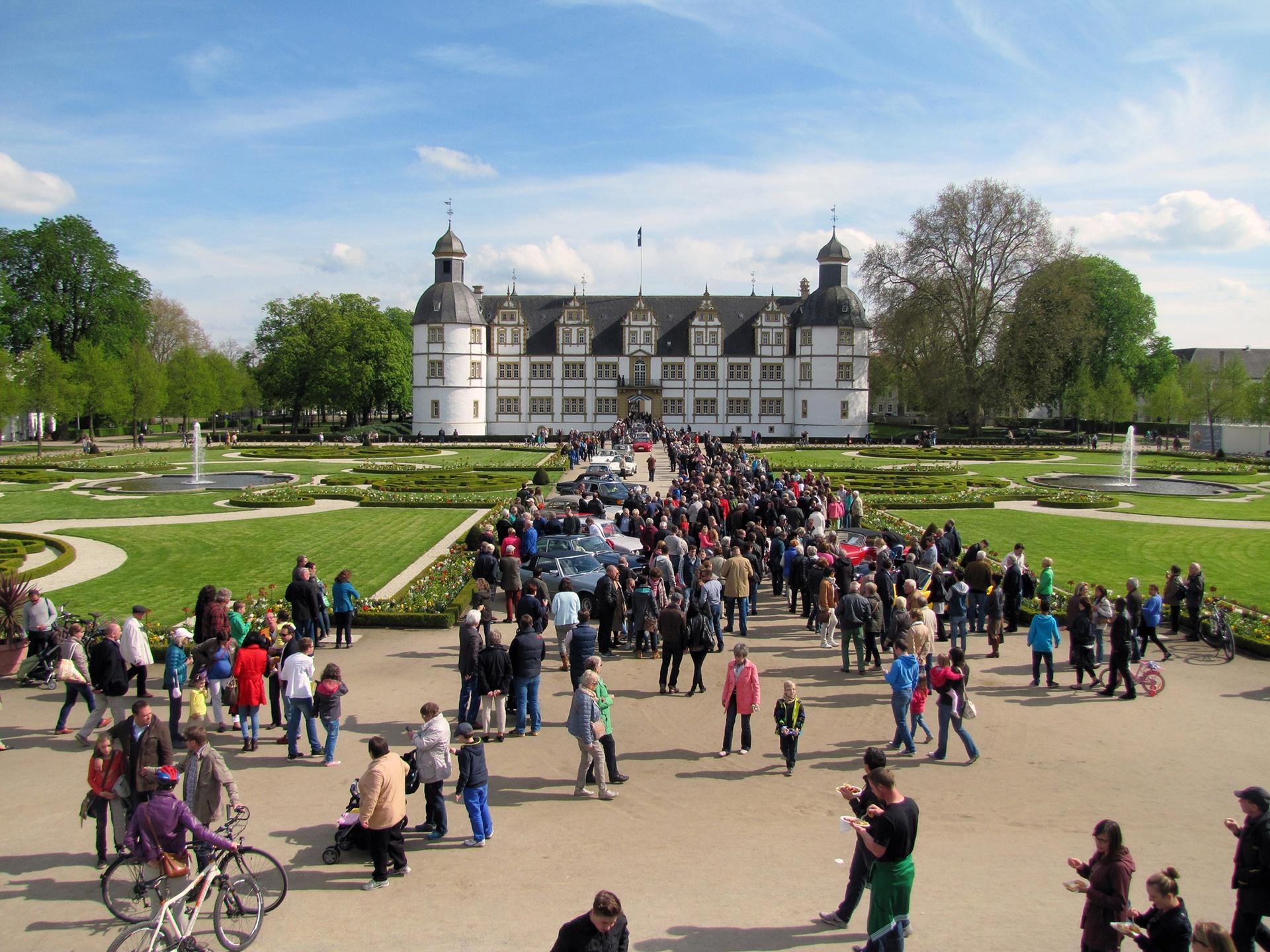 Eröffnung des Schloßsommers im Neuhäuser Schlosspark
