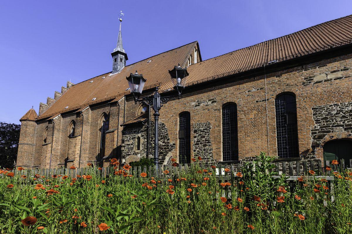 Kloster Seitenansicht