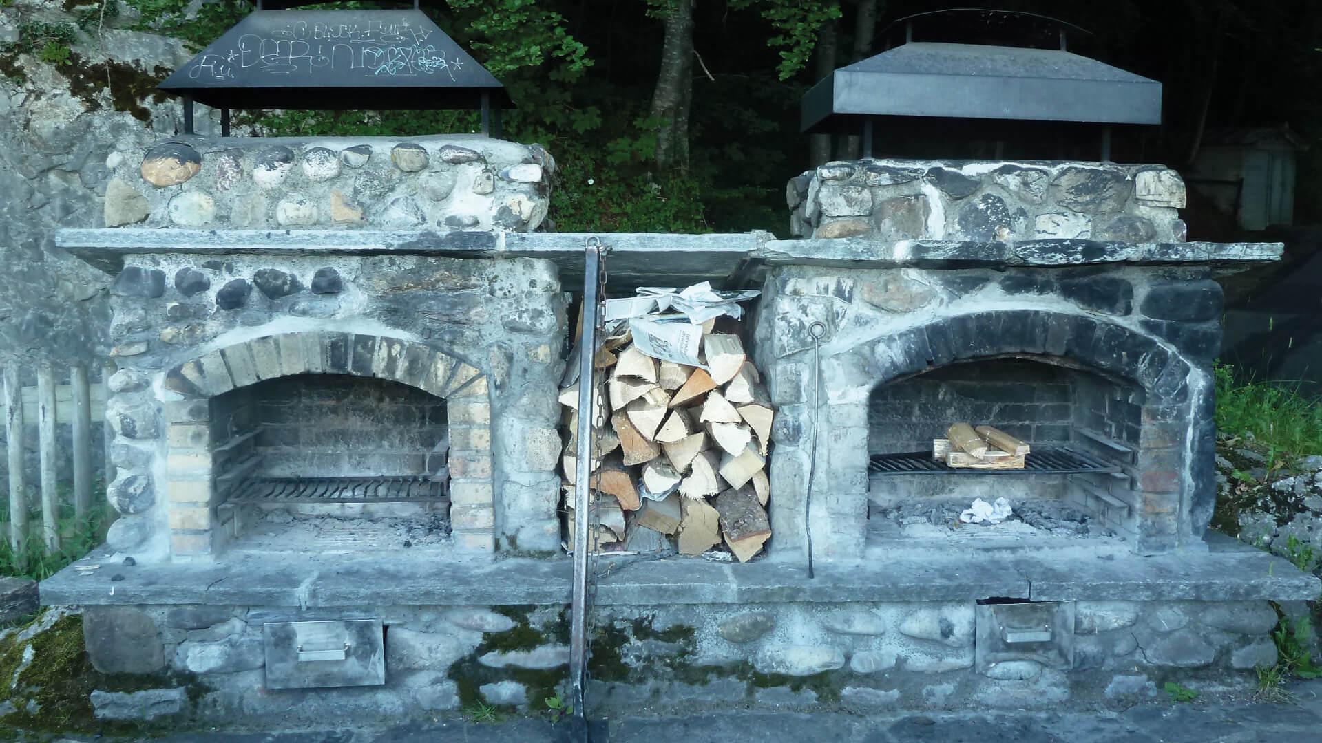 sigriswil-braetliplatz-wyssental-feuerstellen-sommer