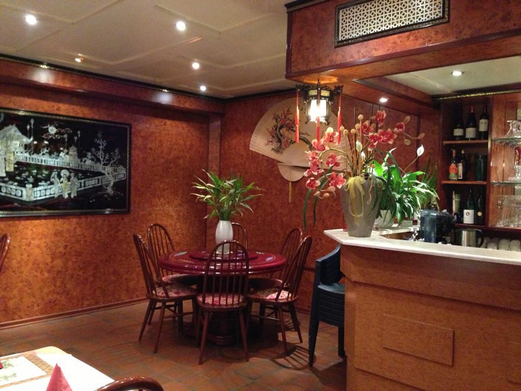 dong-nam-restaurant