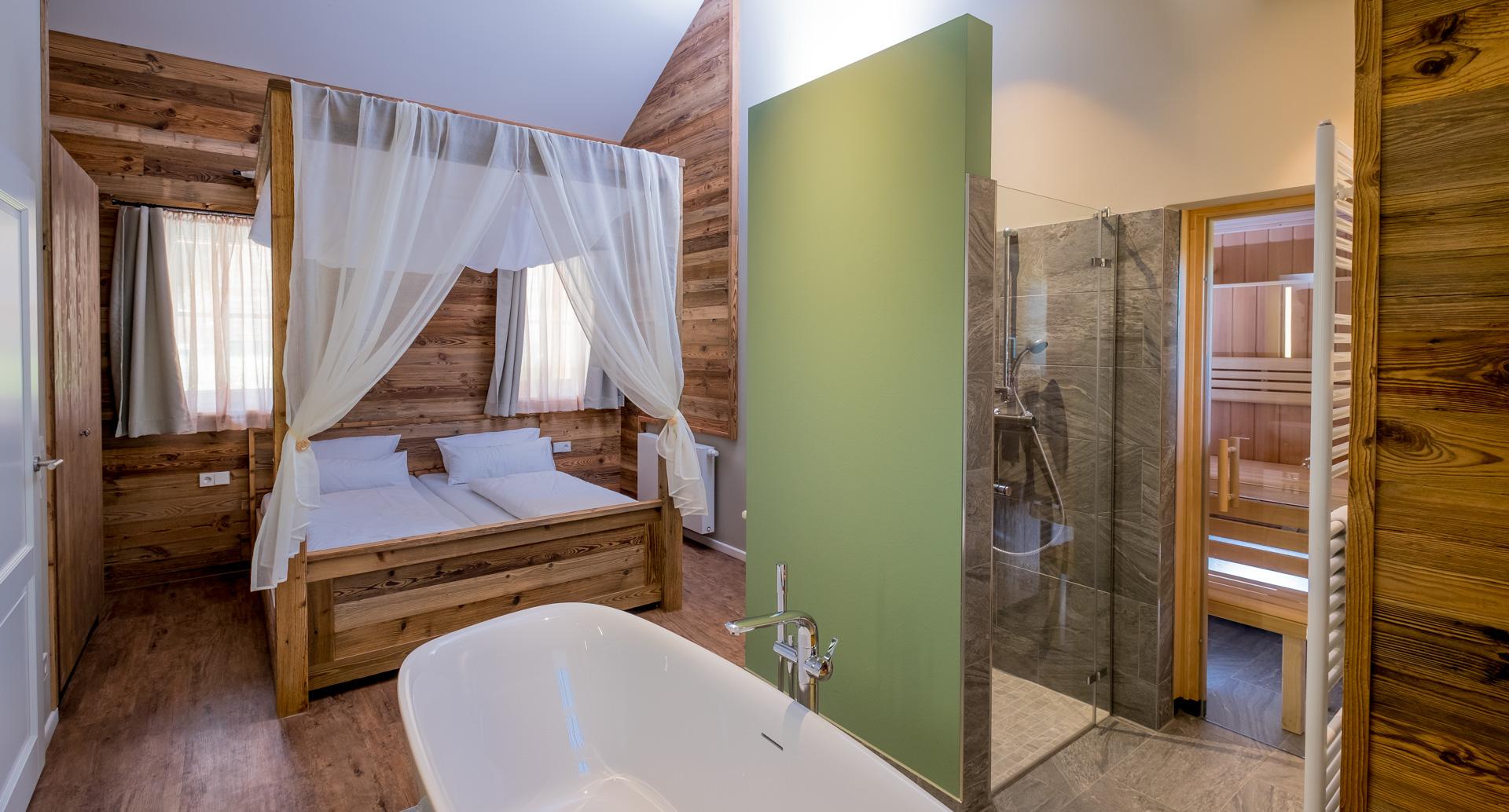 Torfhaus Harzresort - Badewanne in der Kuschellodge