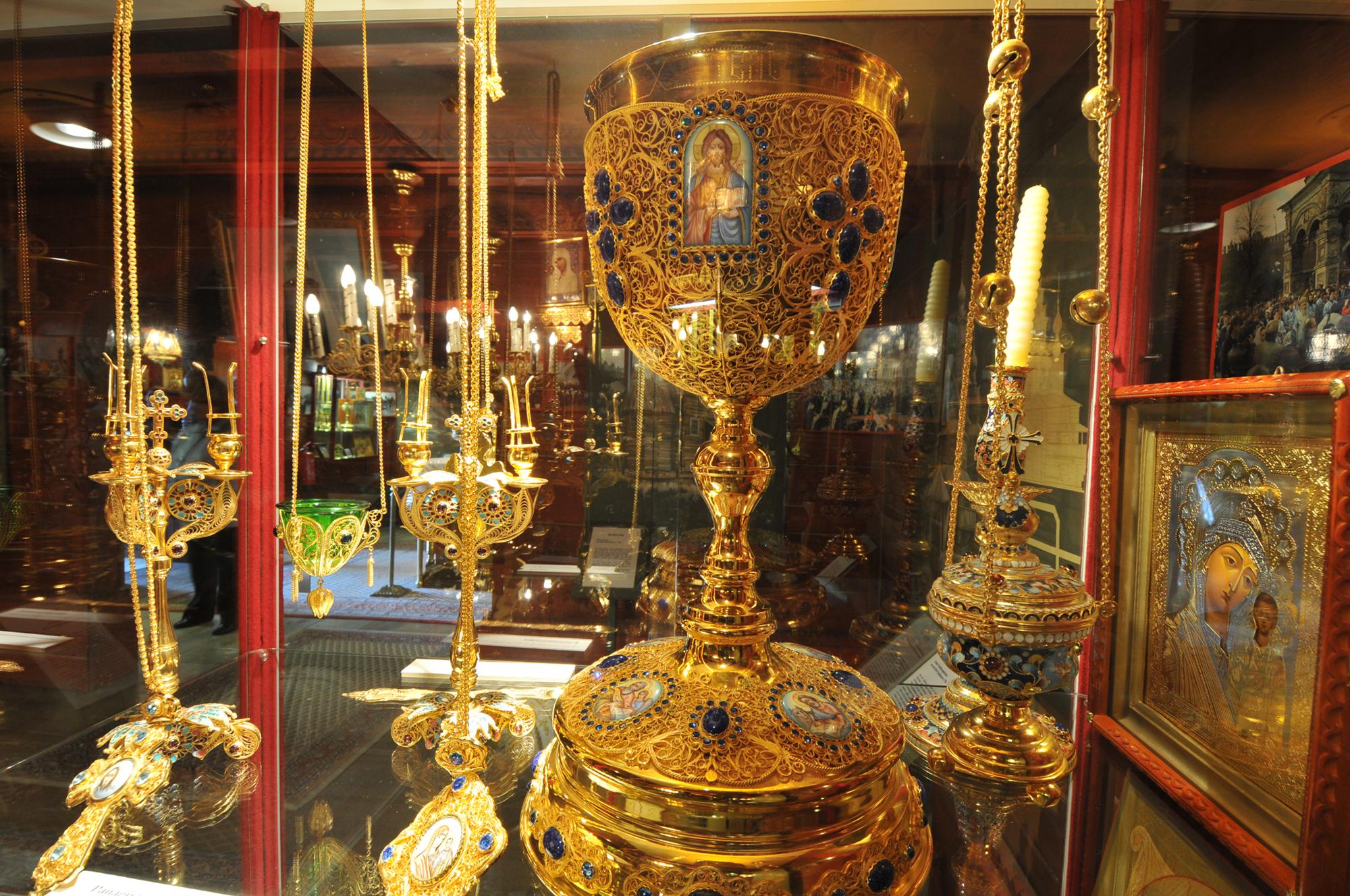 Liturgische Gefäße in der Russisch-Orthodoxen Holzkirche