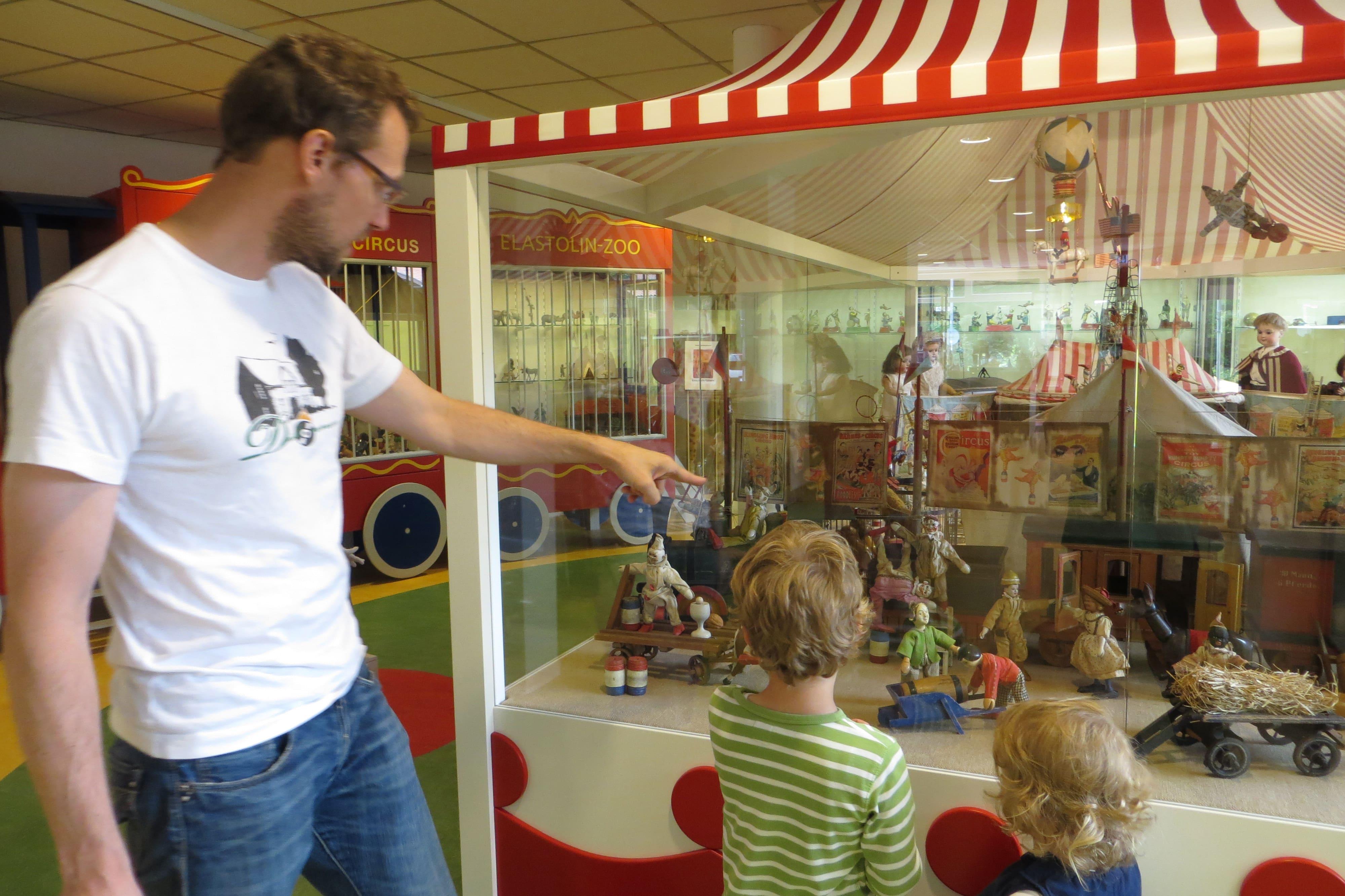 spielmuseum-besucher-zirkus1.jpg