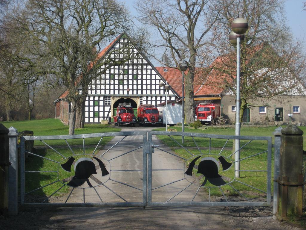 Einfahrt zum Feuerwehrmuseum Häver