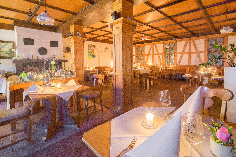 parkhotel-emstaler-hoehe-genuessrestaurant-habichtswald-maerchenstube1