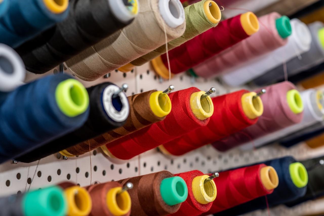 Textielwerkstatt Manuela Fiebig Nähgarn.jpg