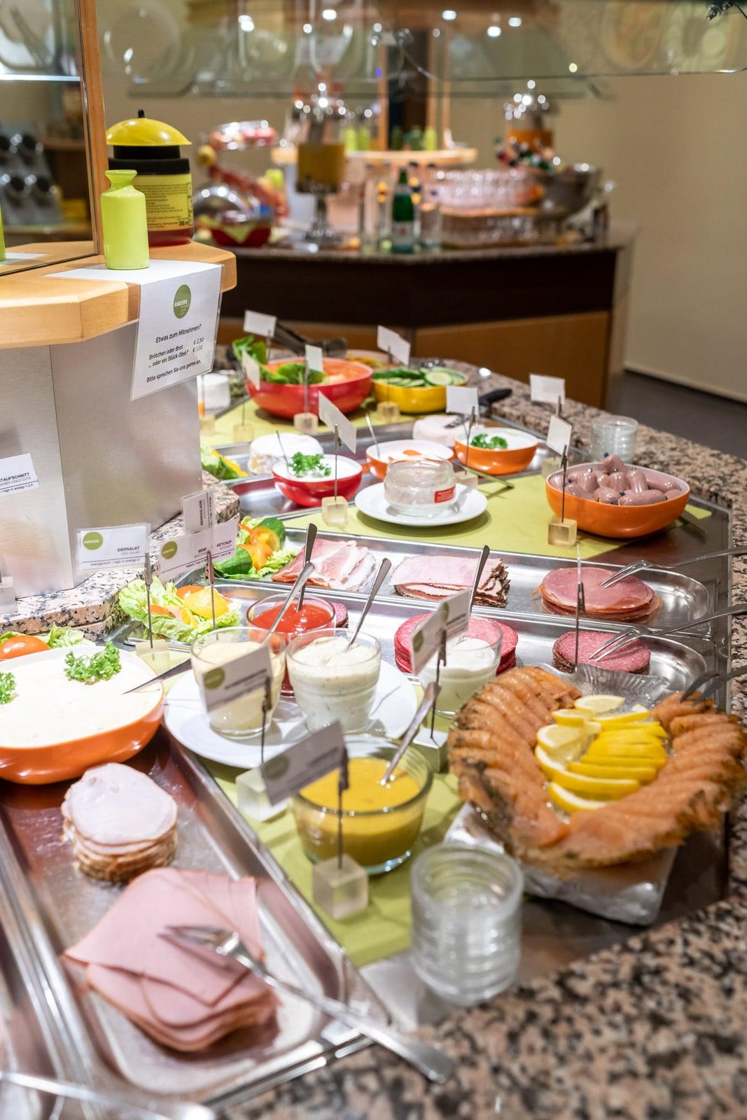 ANDERS-hotel-walsrode-frühstücksbuffet.jpg