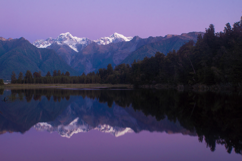 pressebild_lake-matheson-in-blauer-stunde.jpg