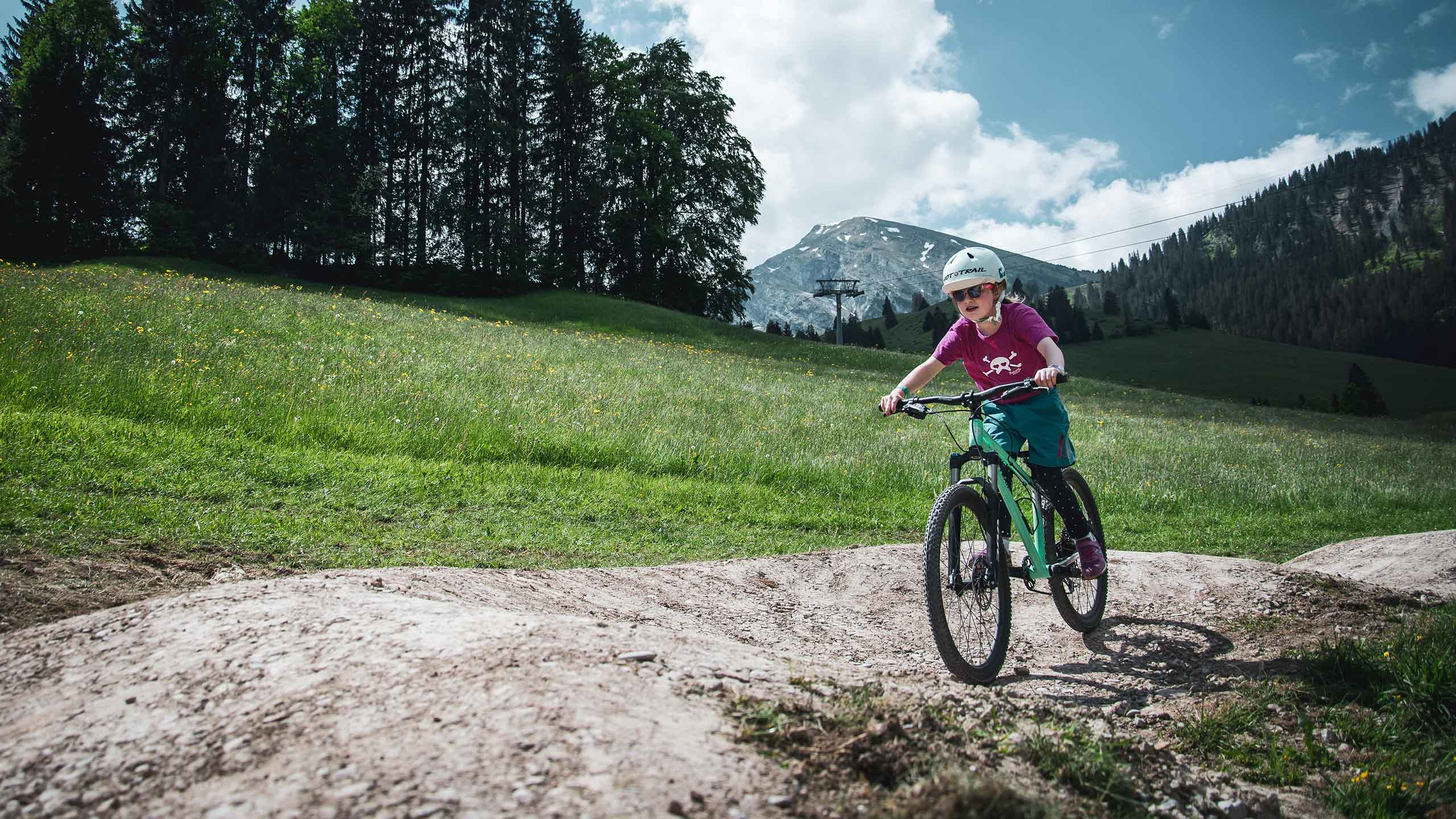downhill-bikepark-wiriehorn-pumptrack-kind.jpg