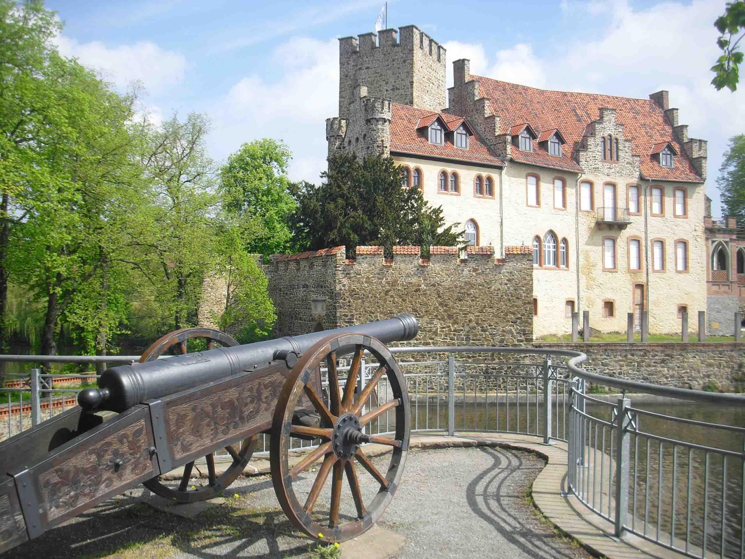 Der Kanonenplatz am Wasserschloss Flechtingen