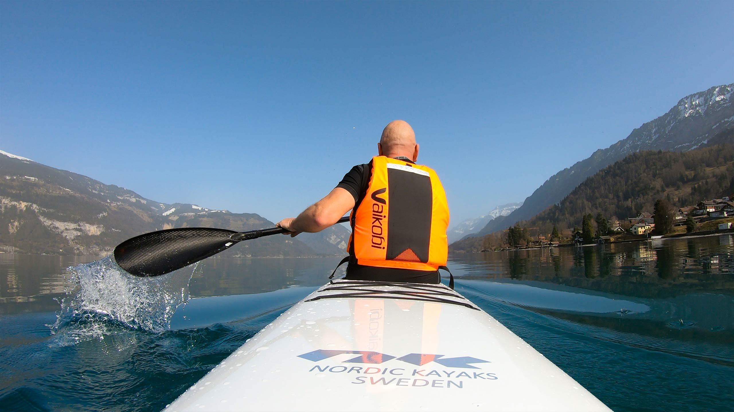 surfskipoint-thunersee-paddeld-unterwegs-wasser-sprizer.jpg