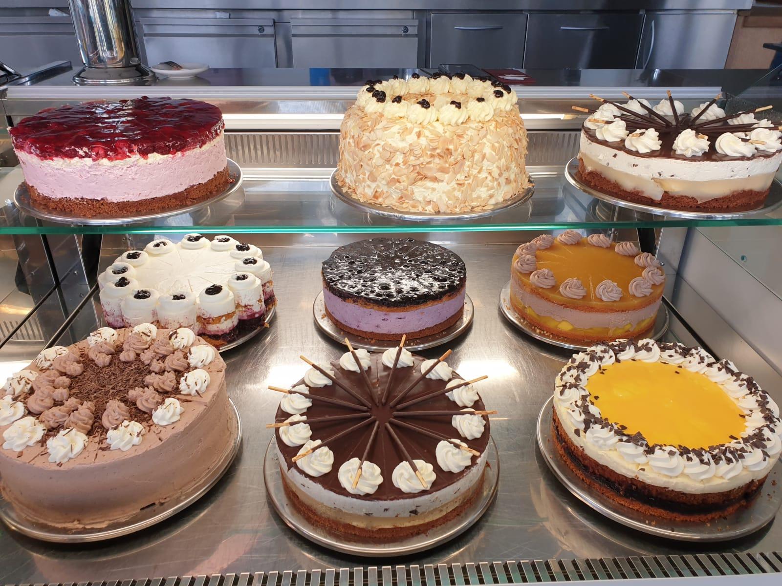 Kuchen und Torten im Café Blaubeergarten