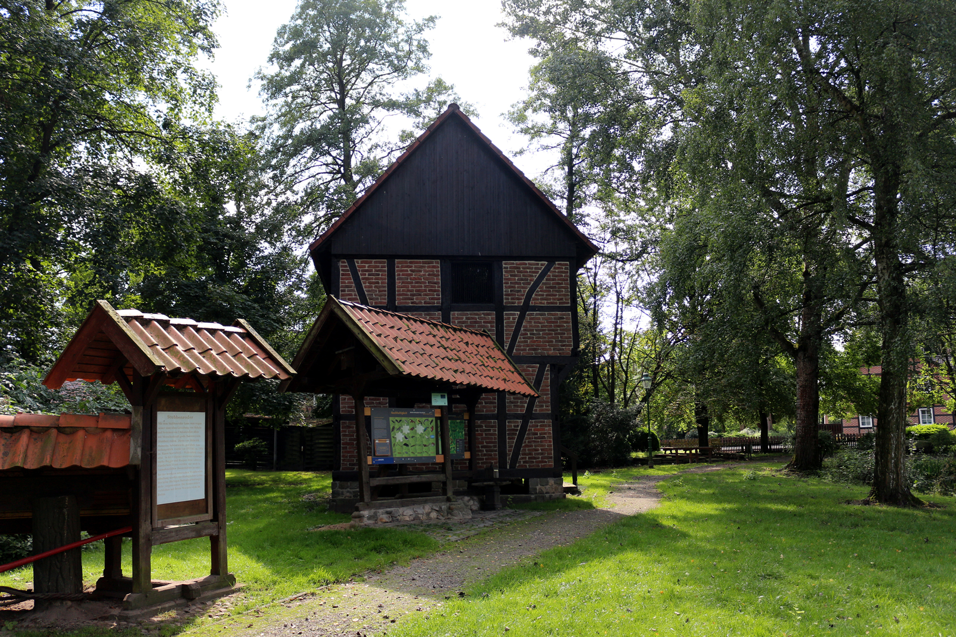 Haus der Landschaft - Hinweistafel