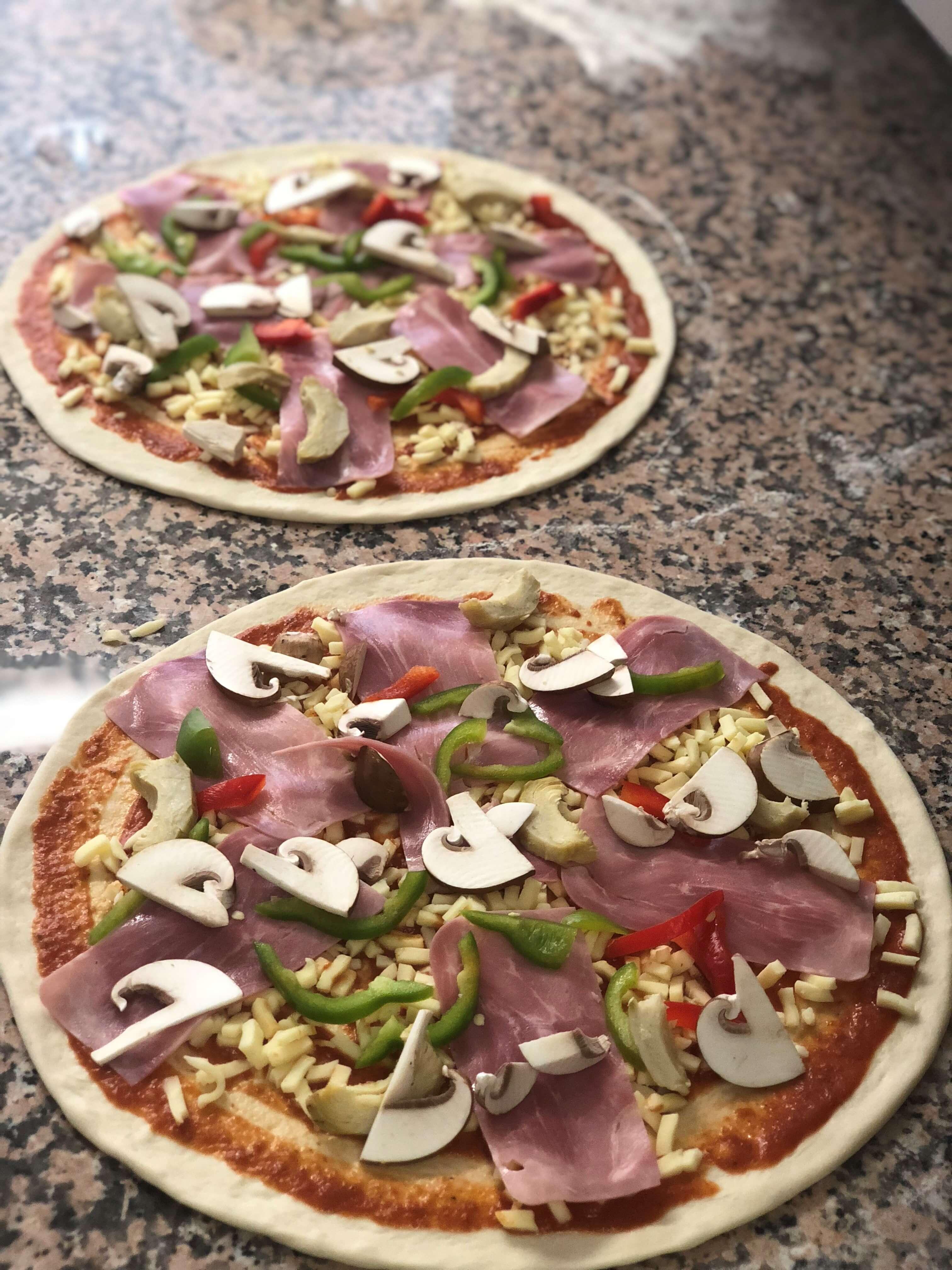 restaurant-pizzeria-bella-mare-spiez-pizza.jpg