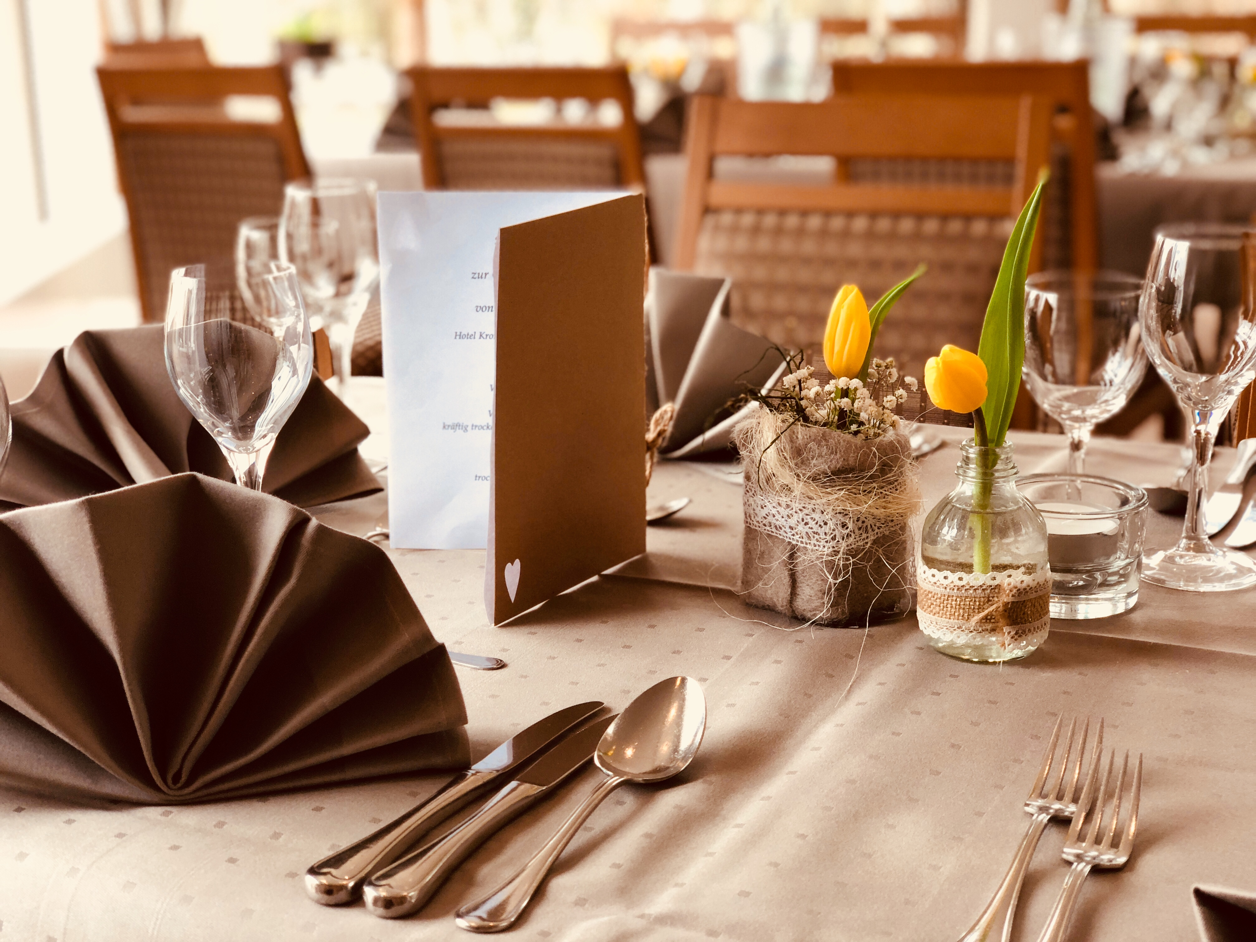 Wesertal_Hotel_Kronenhof_Restaurant2.jpg
