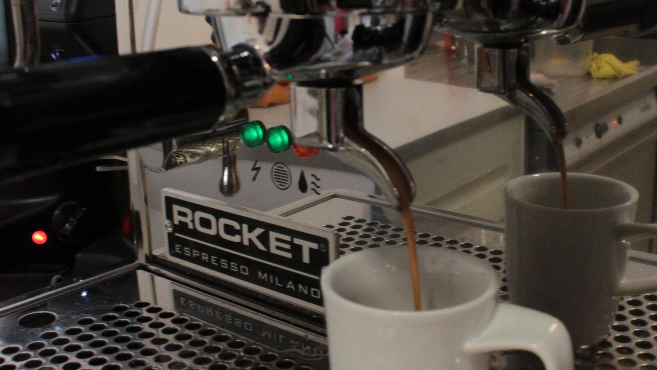korys-sandwichbar-kaffemaschiene.jpg
