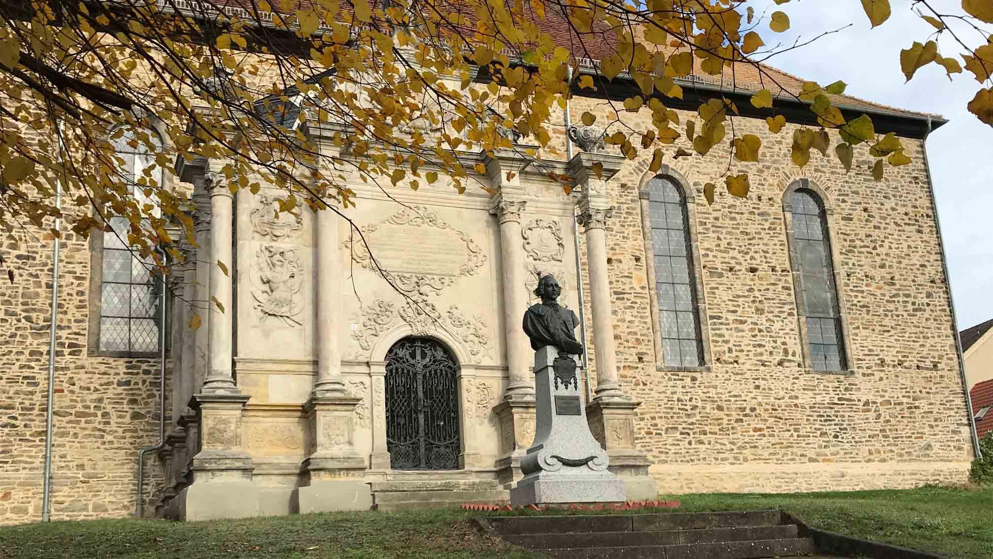 Kirche mit Mausoleum