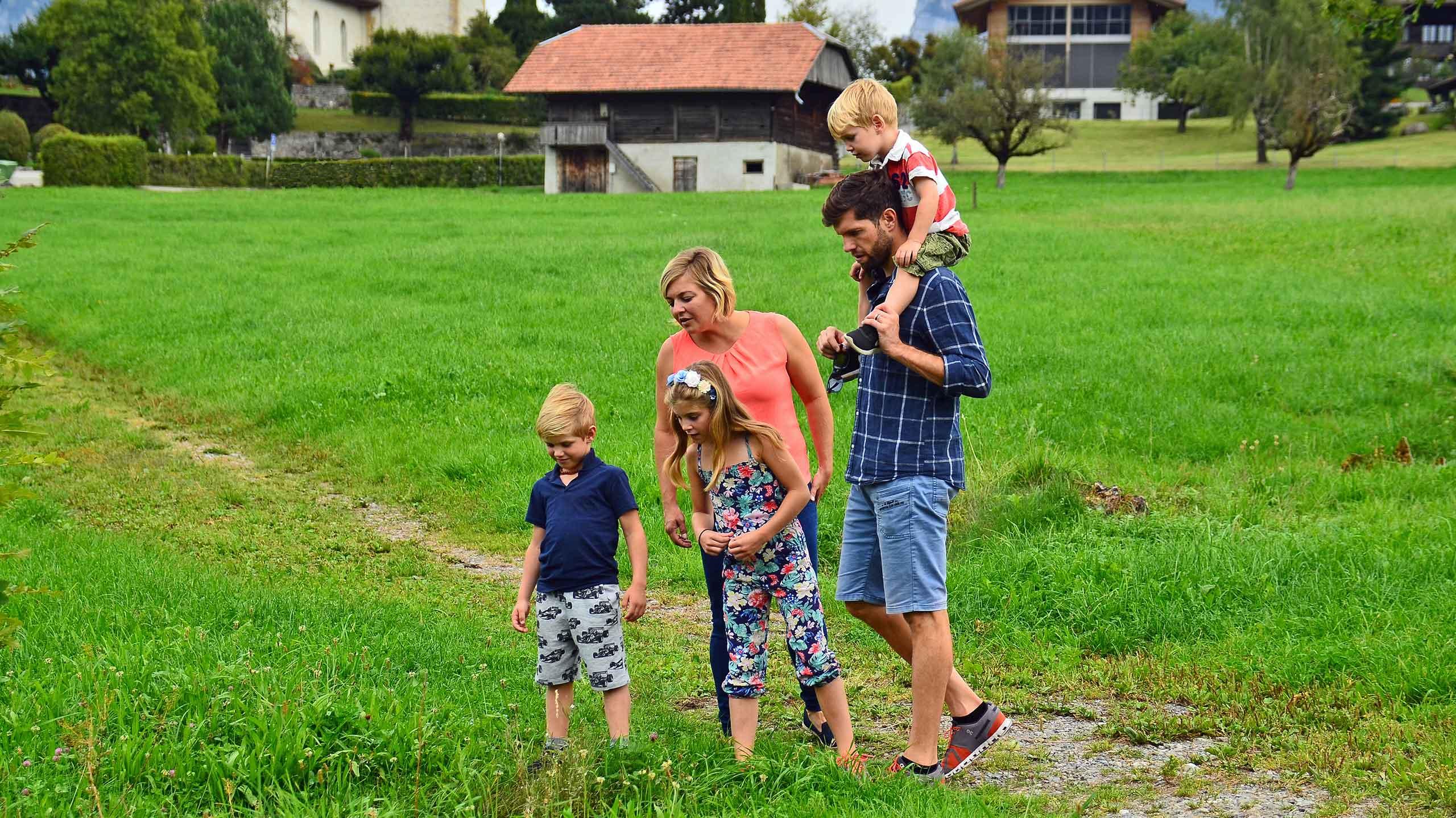 aeschi-schatzsuche-familie-kinder-raetsel-suche.jpg