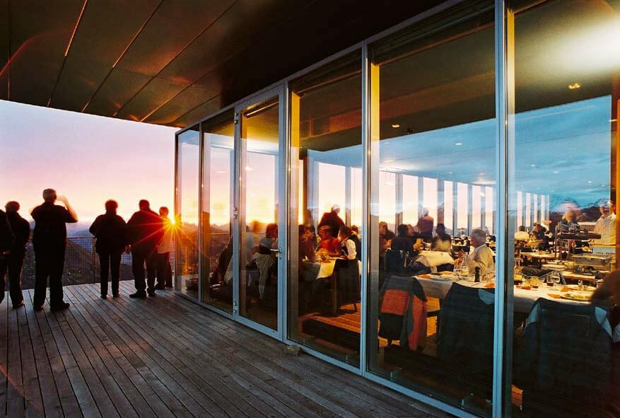 niesen-sonnenuntergang restaurant-mülenen-sommer.jpg