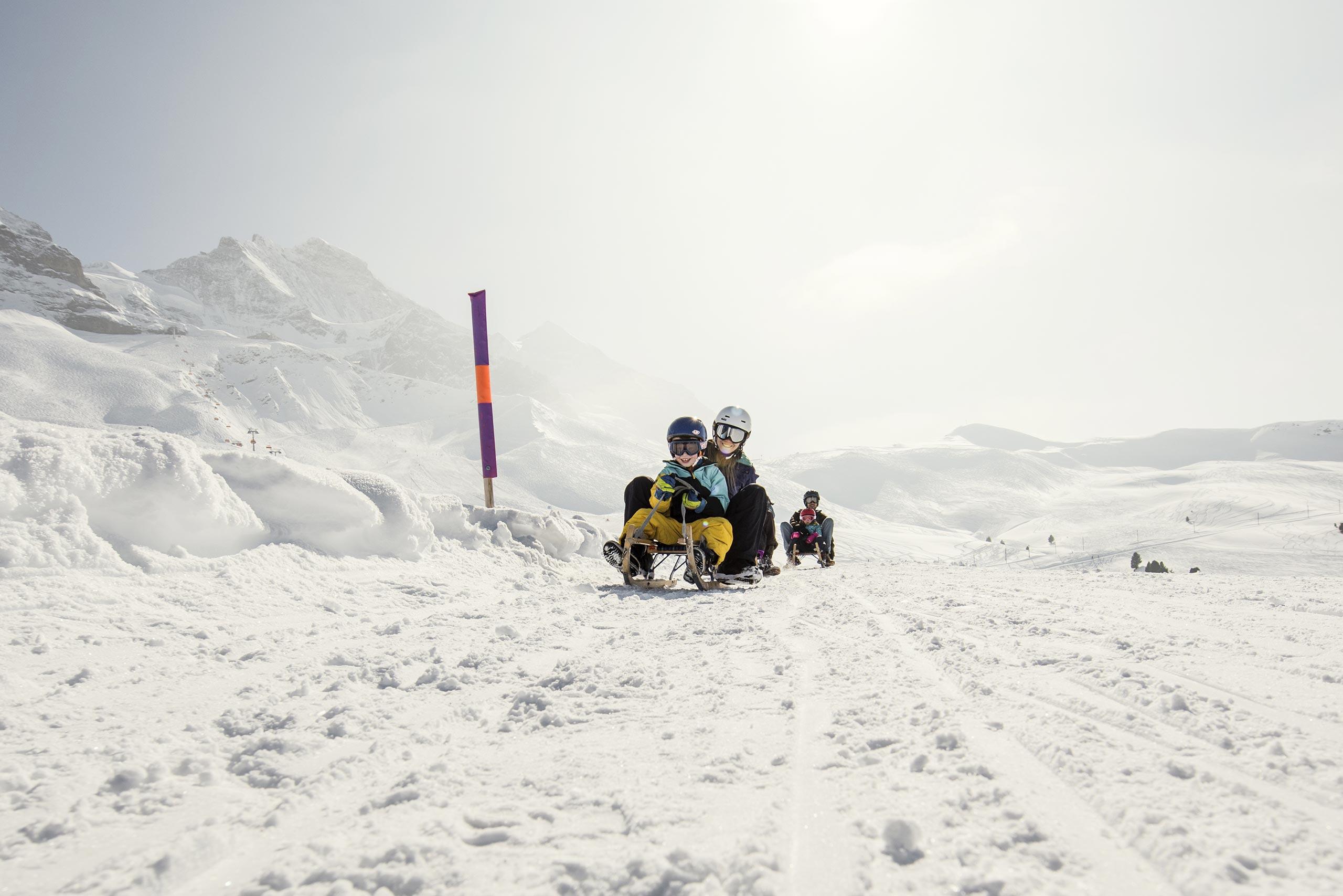 jungfrau-ski-region-schlitteln-winter-schnee.jpg
