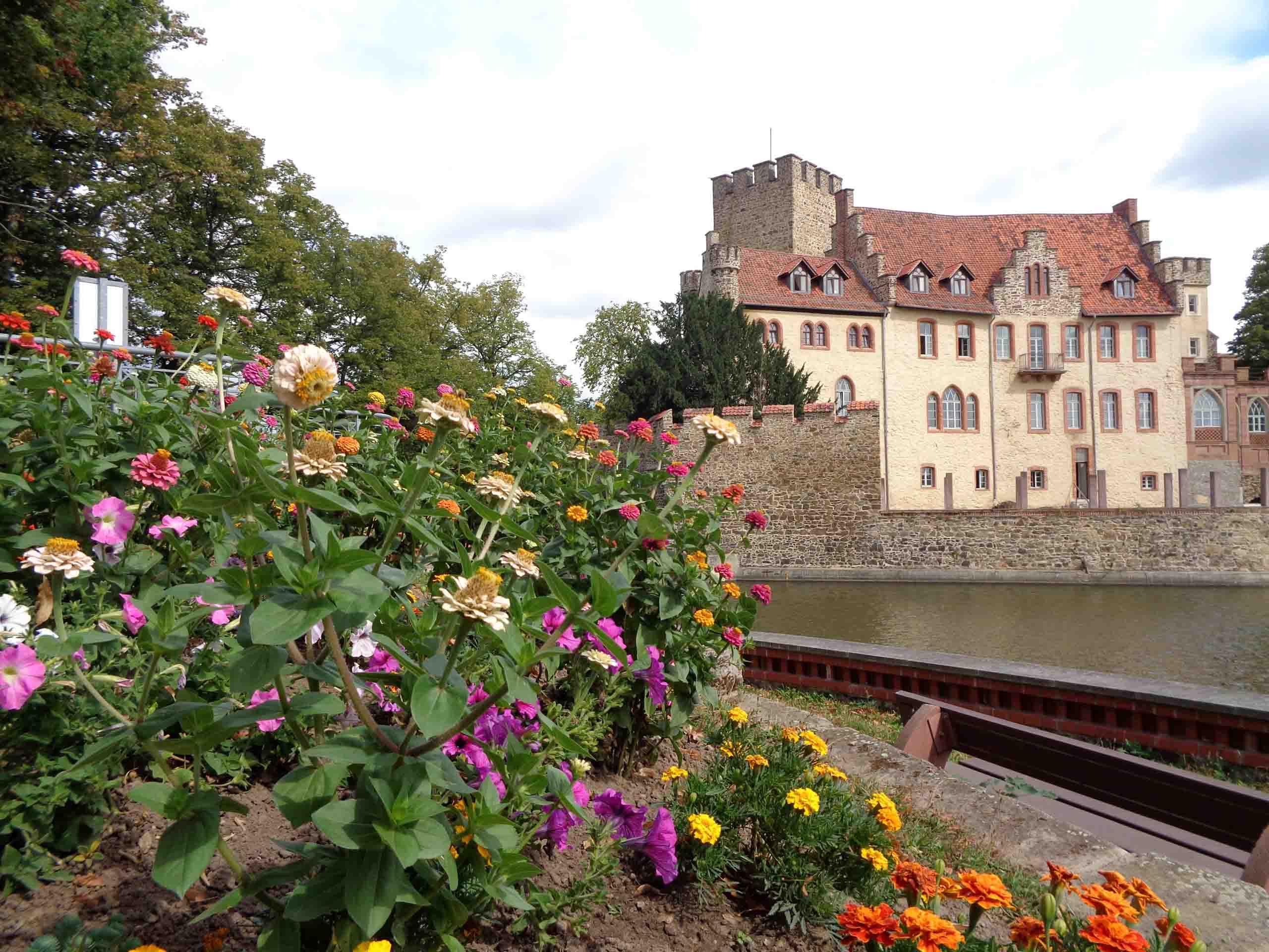 Das Schloss Flechtingen mit Kurpark