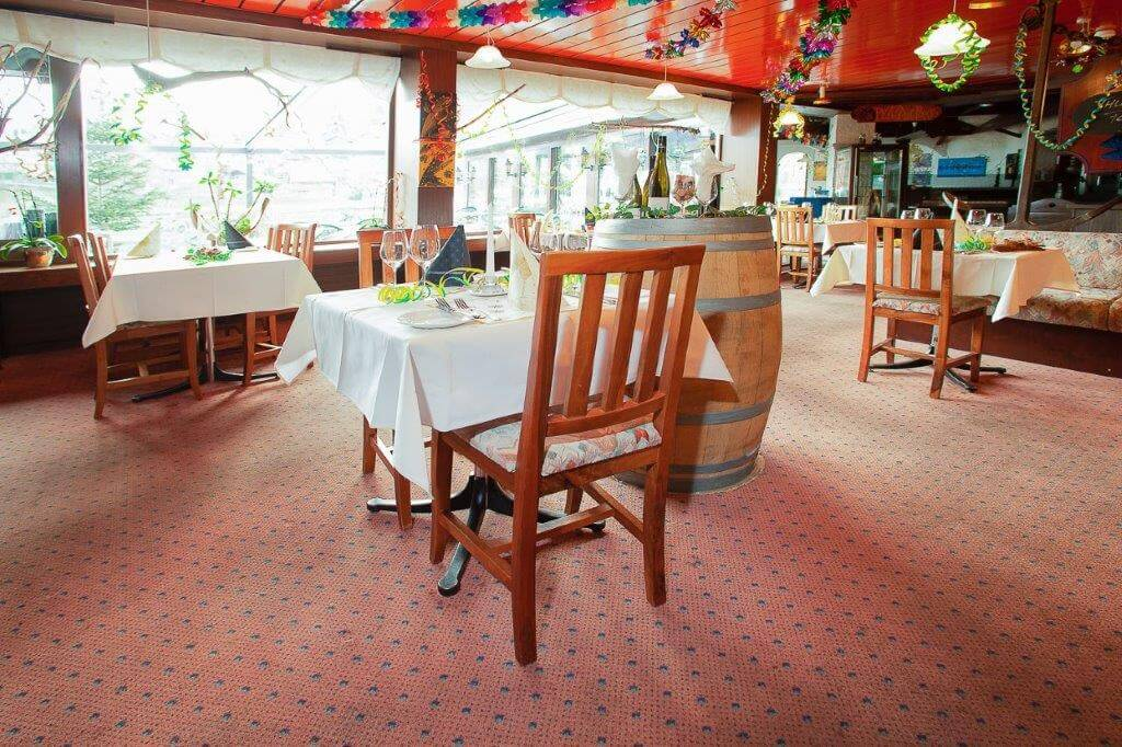 seegarten-marina-restaurant-saal-spiez.jpg