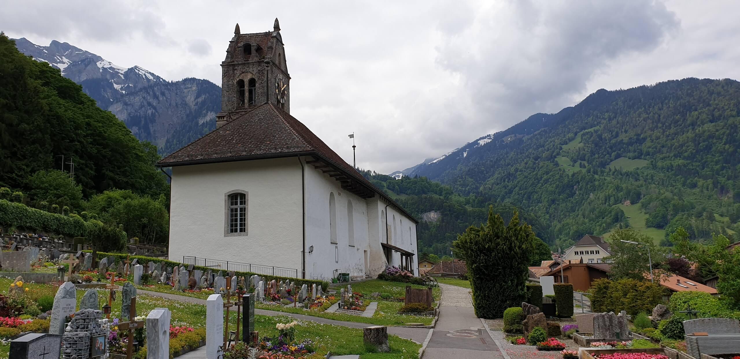 gsteigwiler-dorfkirche-gsteig-fruehling