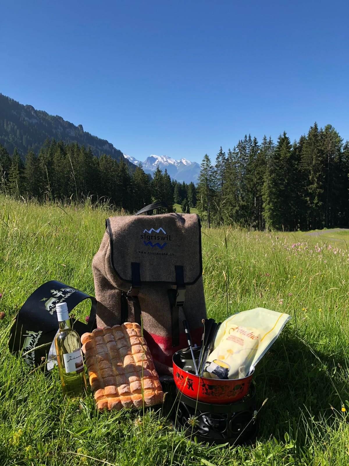 sigriswil-fonduerucksack-sommer-wandern-essen