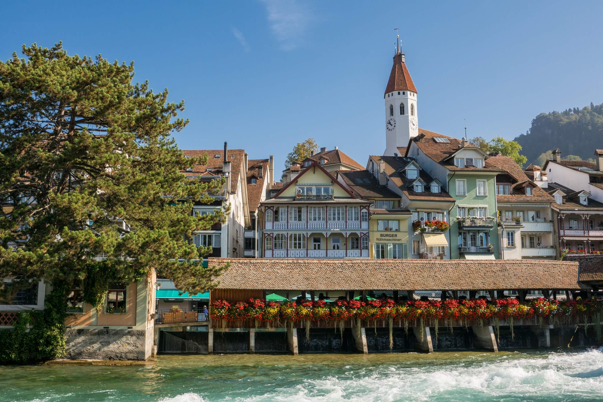 thun-aare-sommer-untere-schleuse-kirche