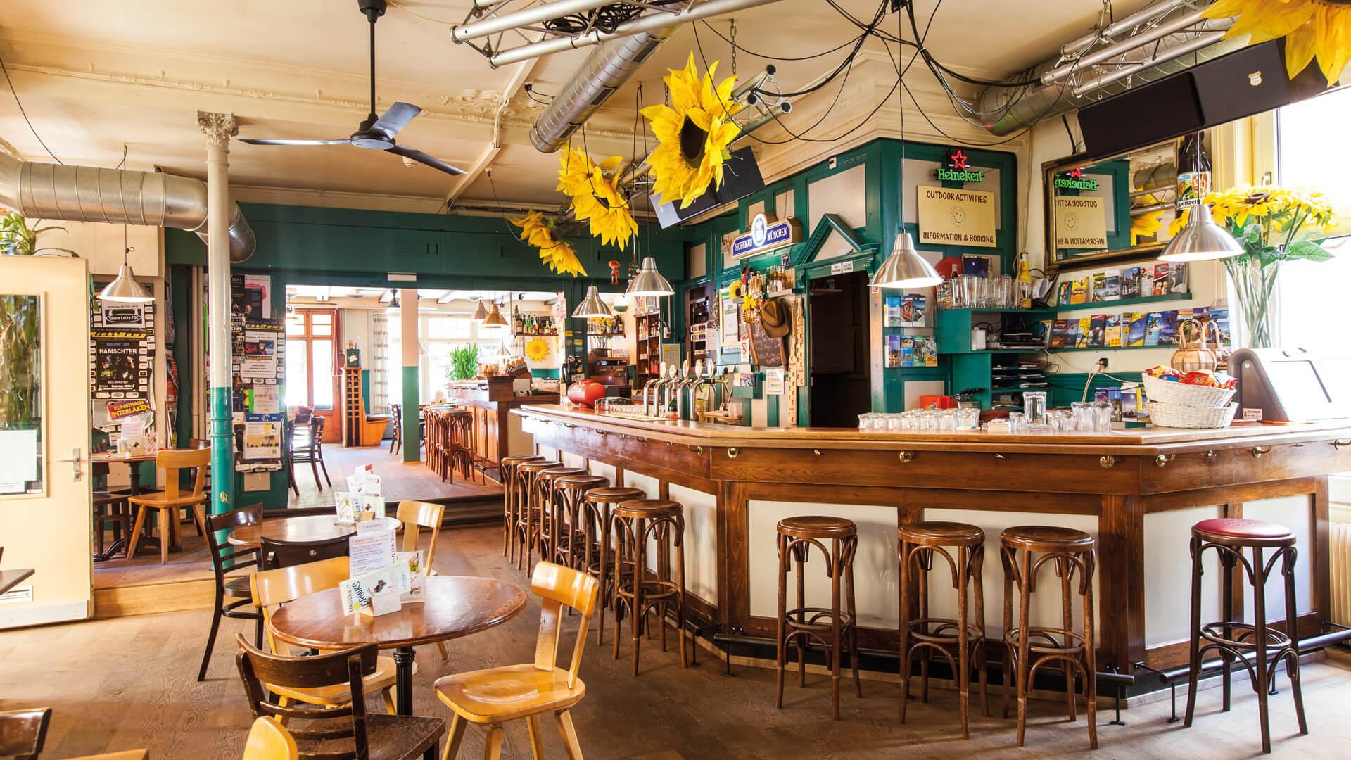happy-inn-brasserie-bar-restaurant