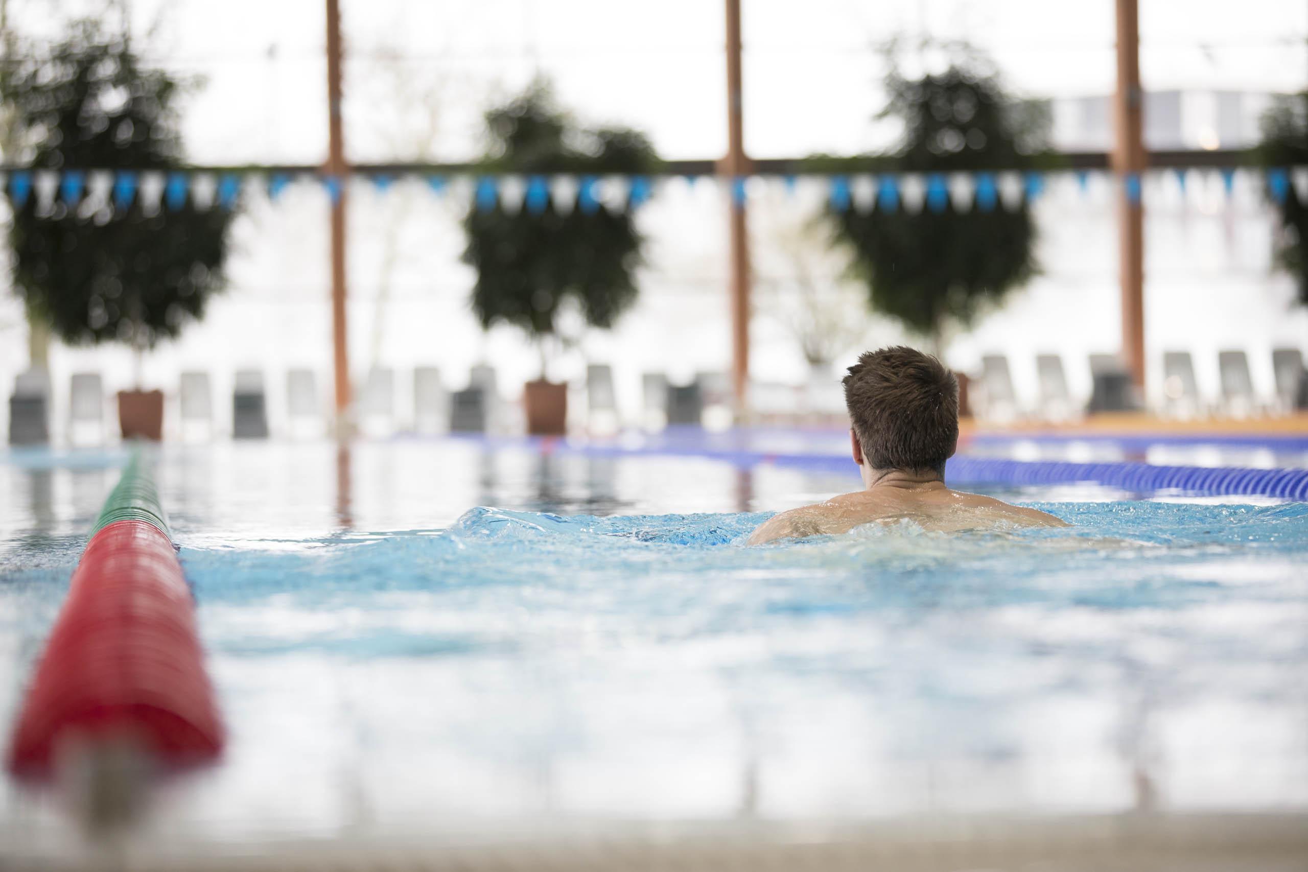 Schwimmer im BadeLand Wolfsburg