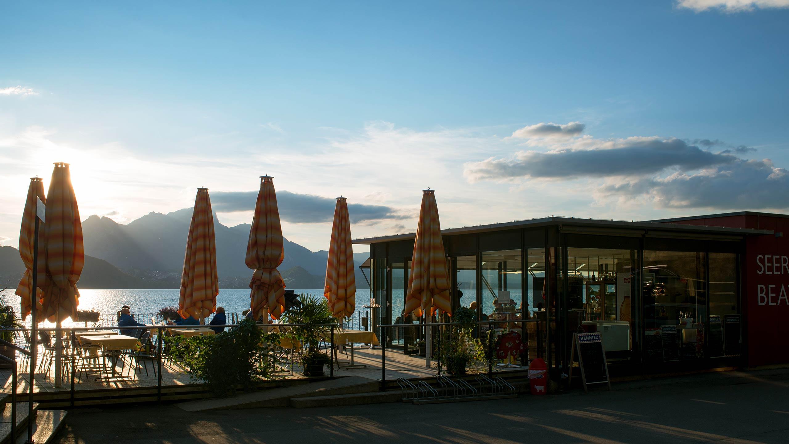 seerestaurant-beatenbucht-merligen-terrasse-aussicht-thunersee.jpg