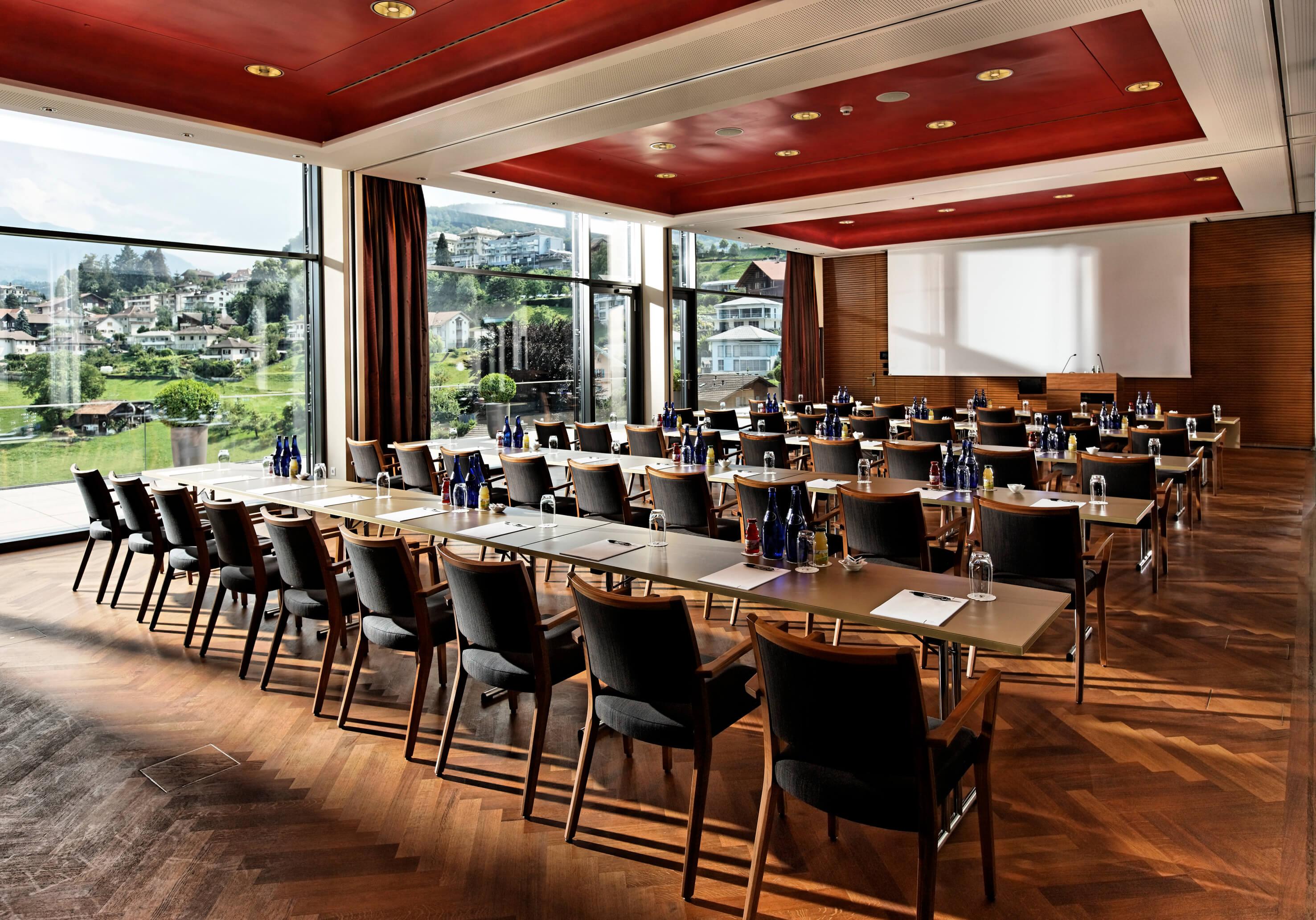 hotel-eden-meting-panoramasaal-mit-seminarbestuhlung-spiez.jpg