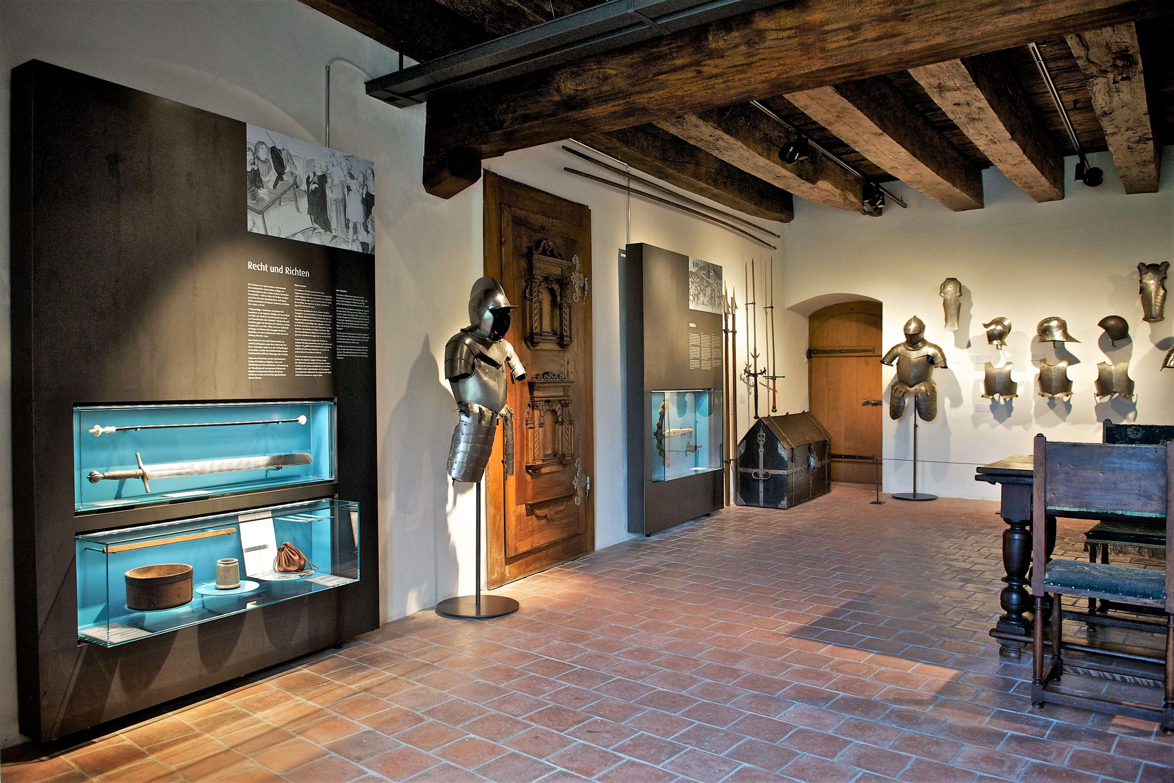 schloss-spiez-museum-gerichtshalle.jpg