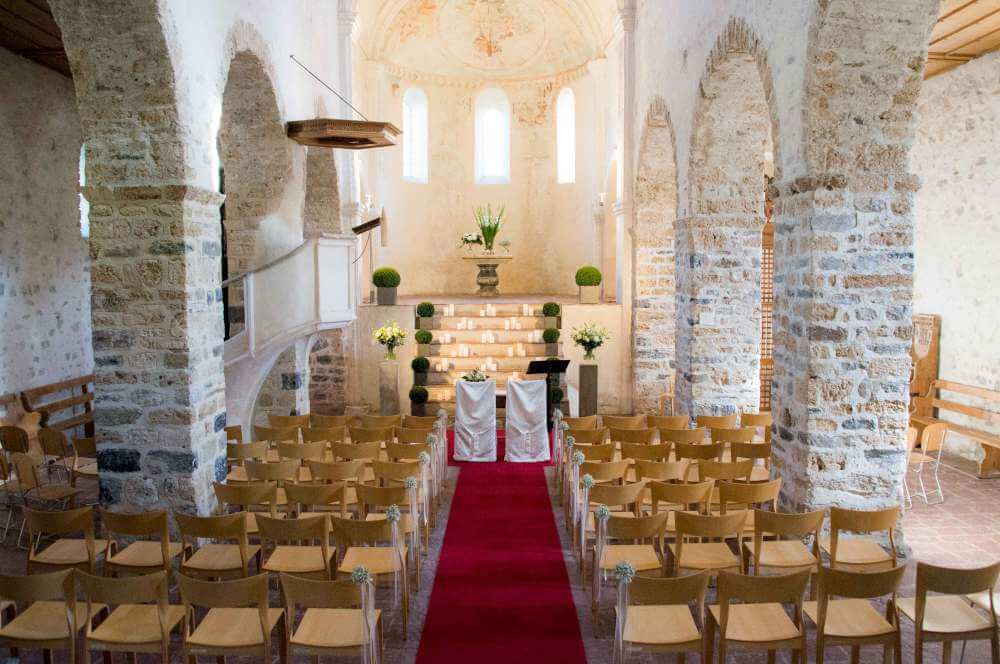 heiraten-schloss-spiez-hochzeit-kirche2.jpg