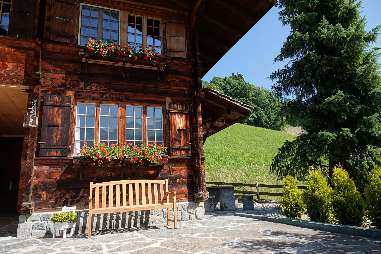 Hausteil mit Ferienwohnung, Terrasse und Sitzplatz