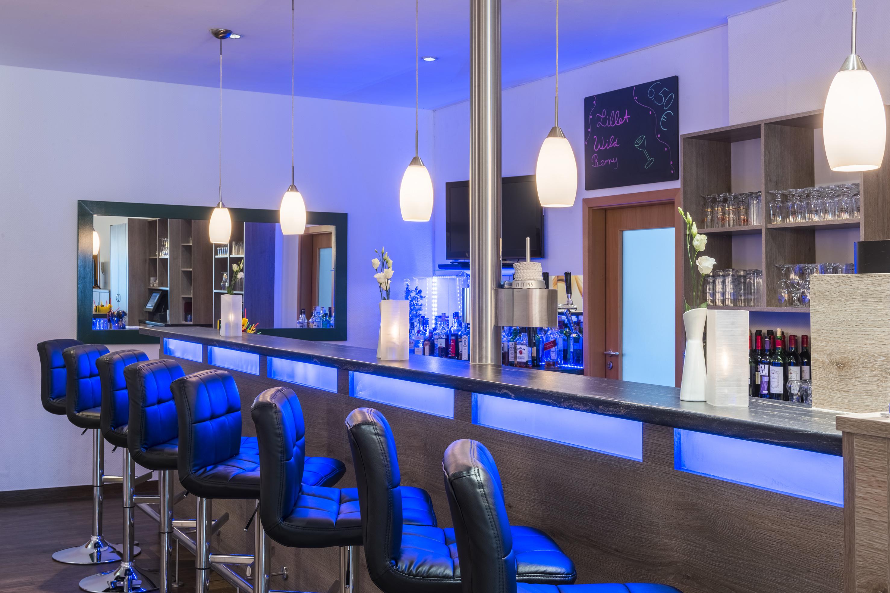 06bTRYPCelle-Lobby_Bar.jpg