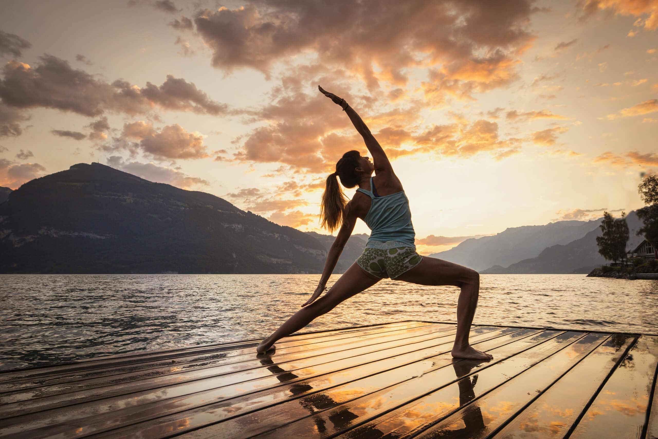 seebad-lido-krattigen-thunersee-sommer-morgenstimmung-yoga.jpg