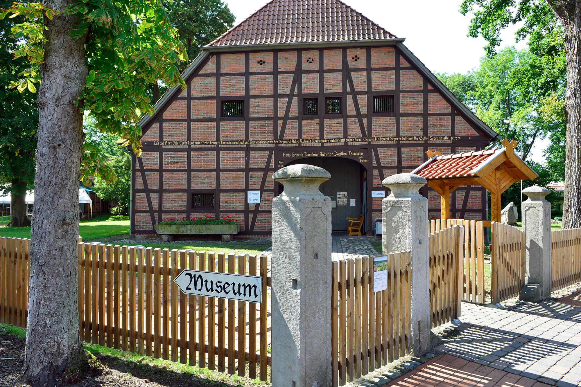 Heimatmuseum Müden_Außen.jpg