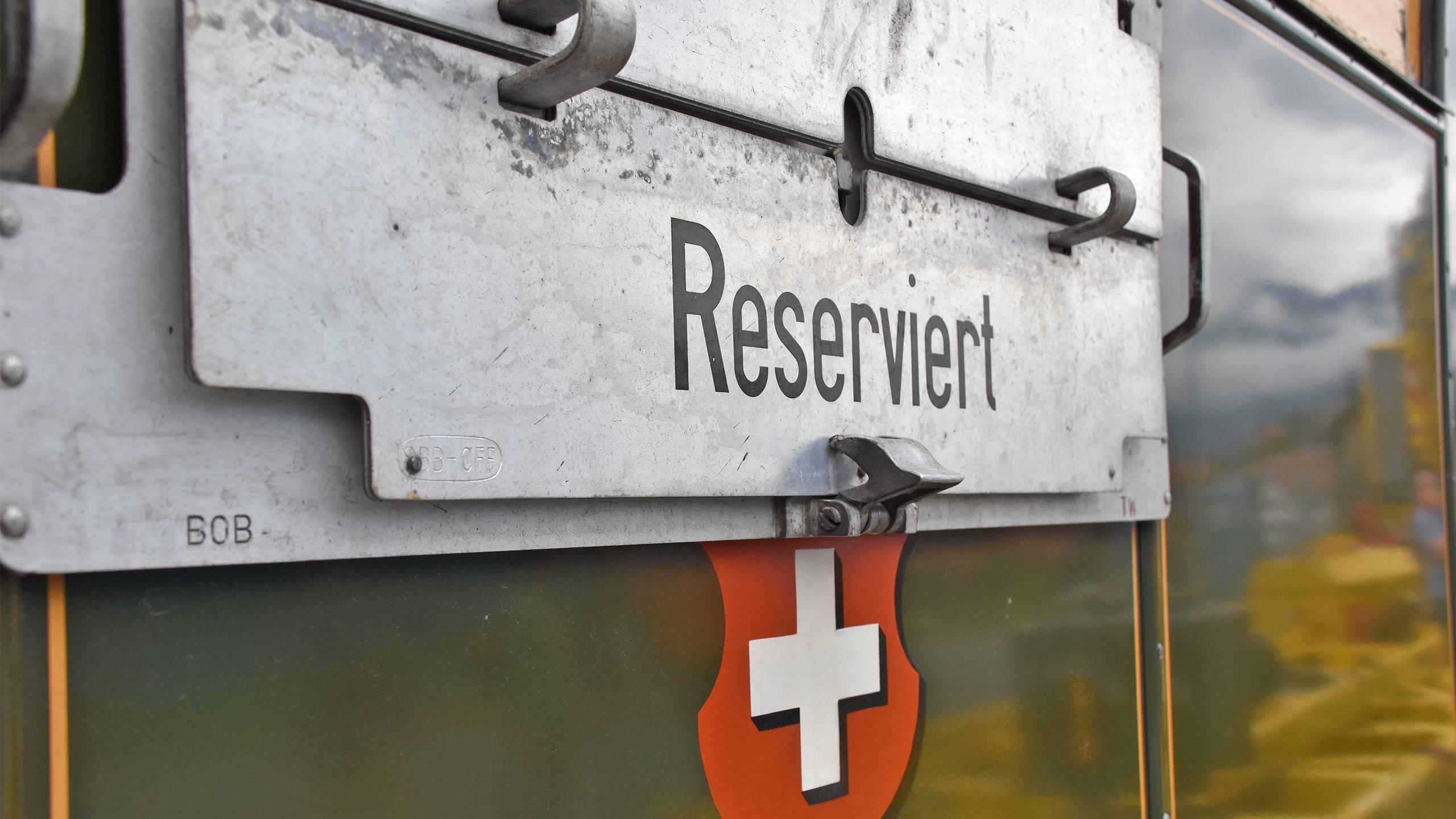 ballenberg-dampfbahn-nostalgie-schild-reserviert.jpg