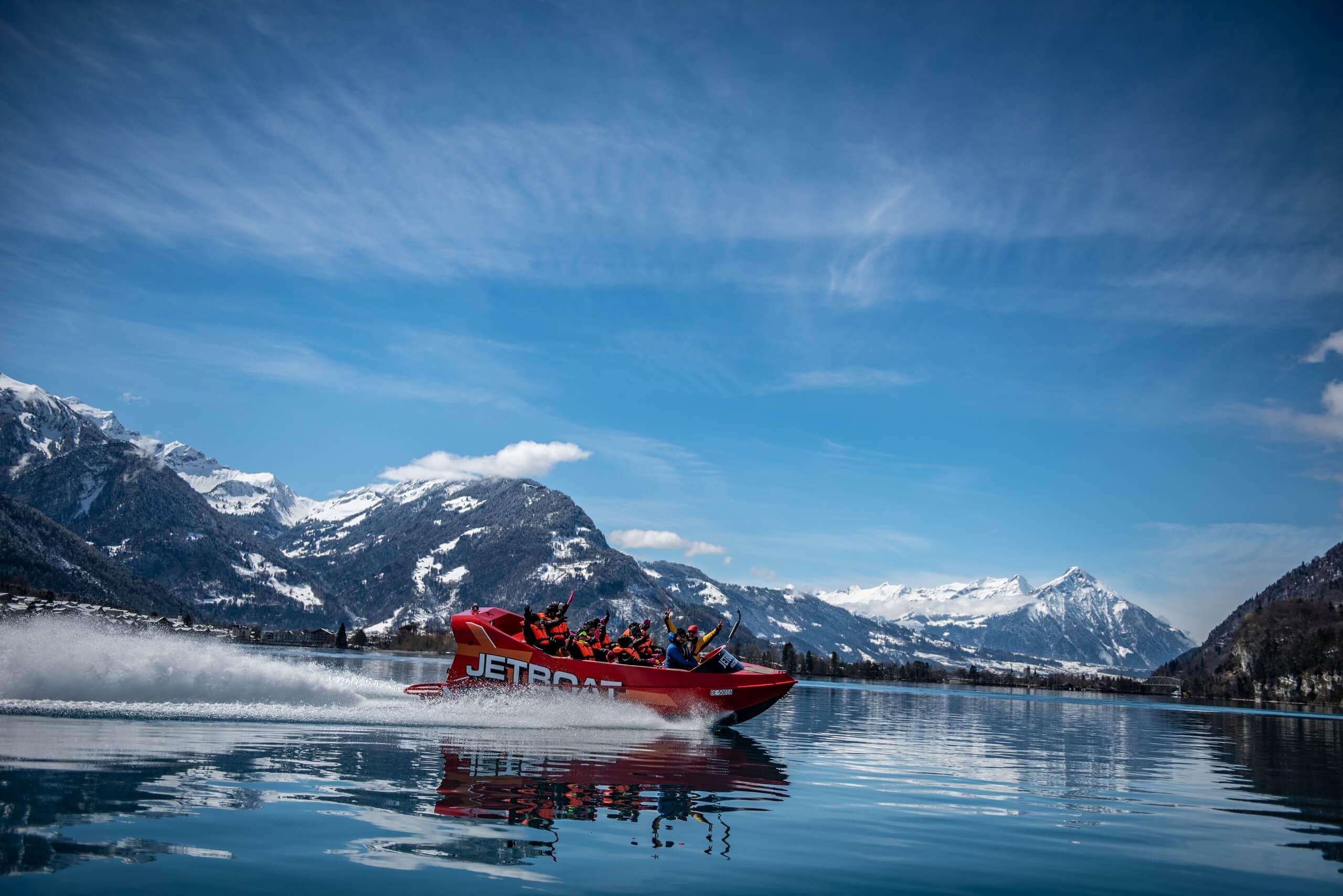 jetboat-winter-brienzersee-niesen-schnee.jpg