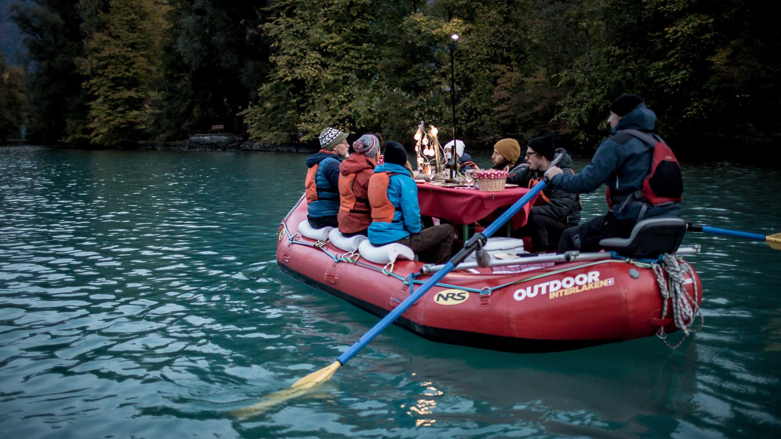 raclett-rafting-outdoor-interlaken-unterweg-aarekanal-interlaken.jpg