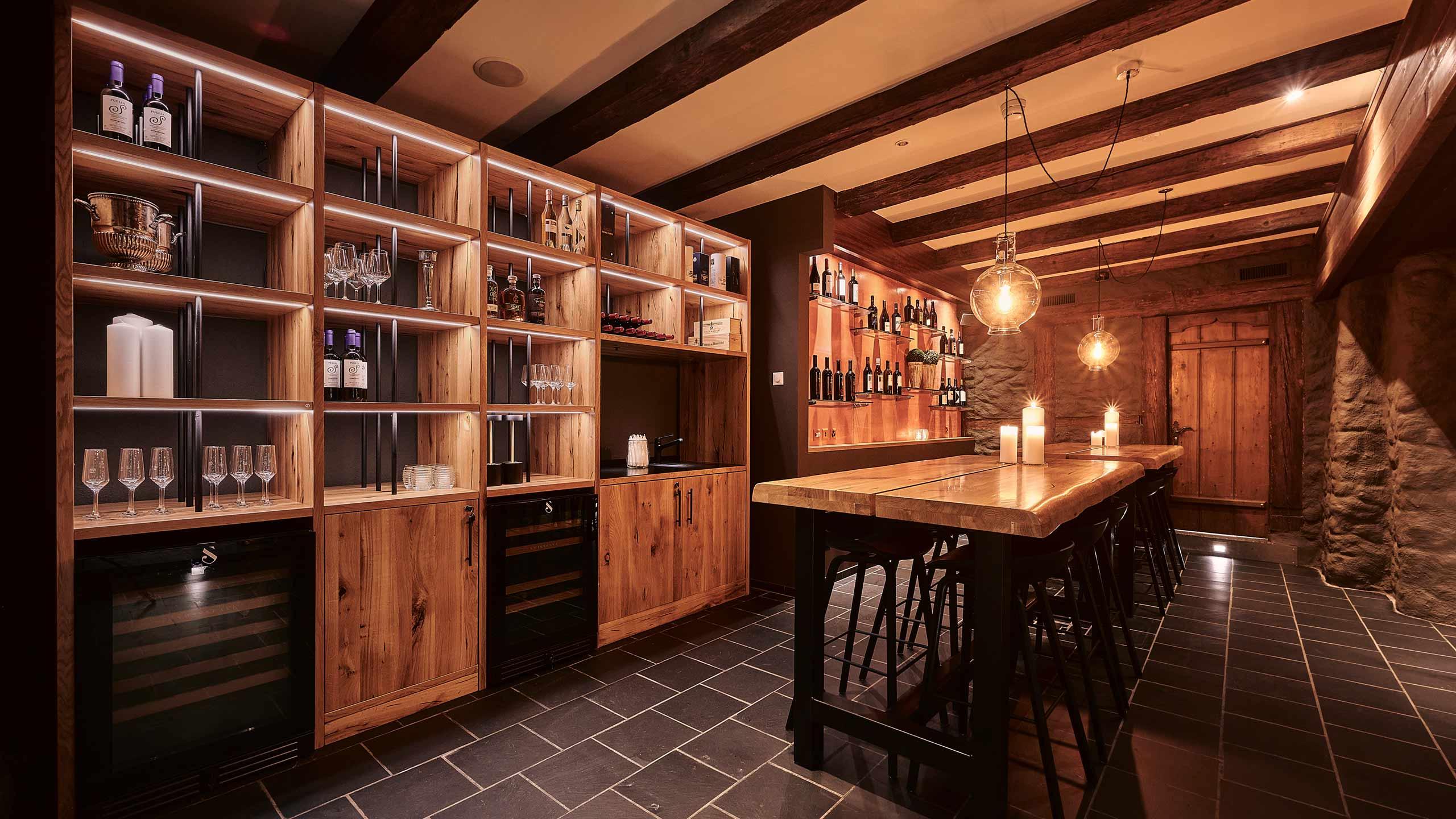 restaurant-taverne-hotel-interlaken-klosetr-keller.jpg