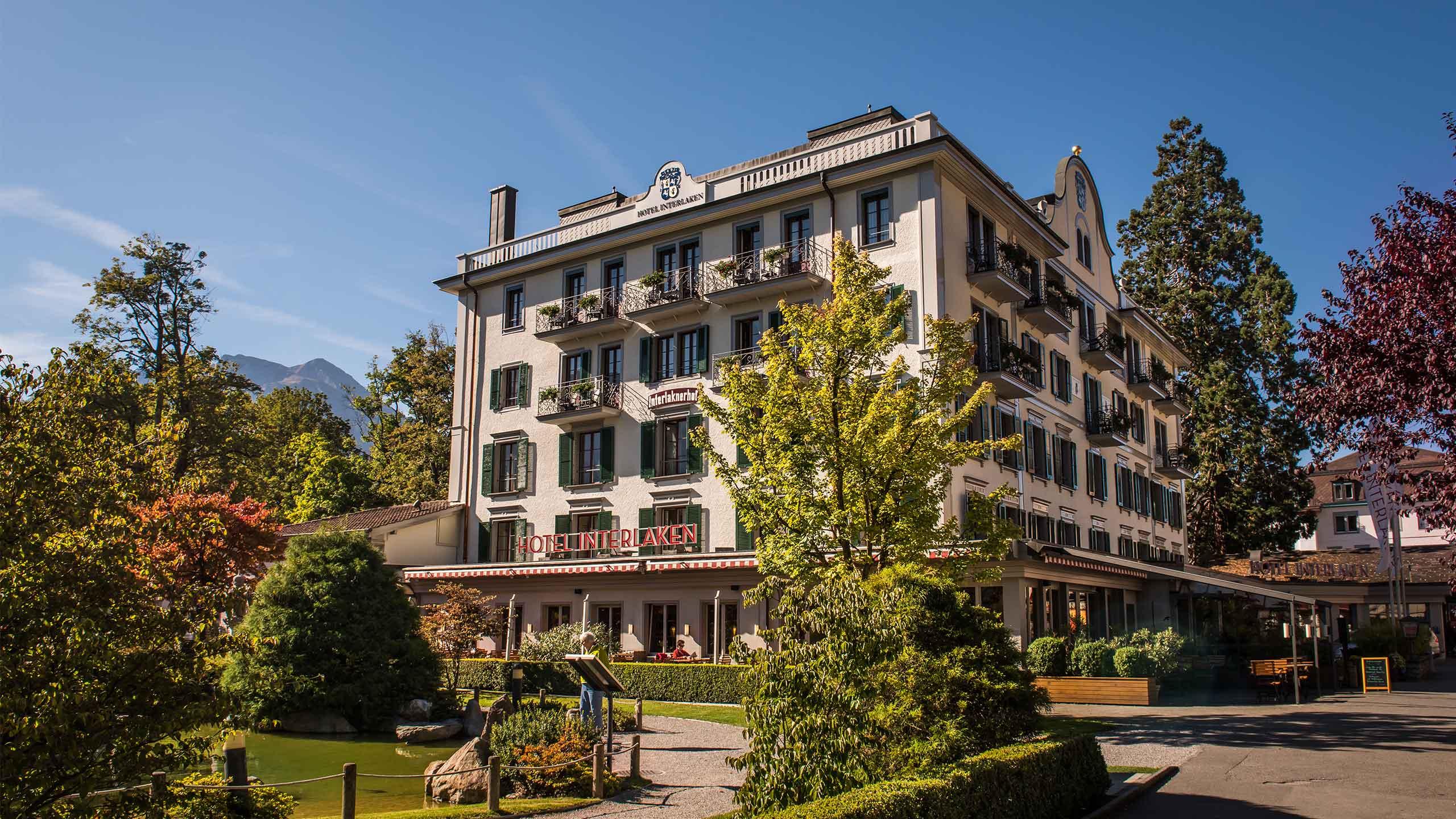 restaurant-taverne-hotel-interlaken-aussenansicht.jpg