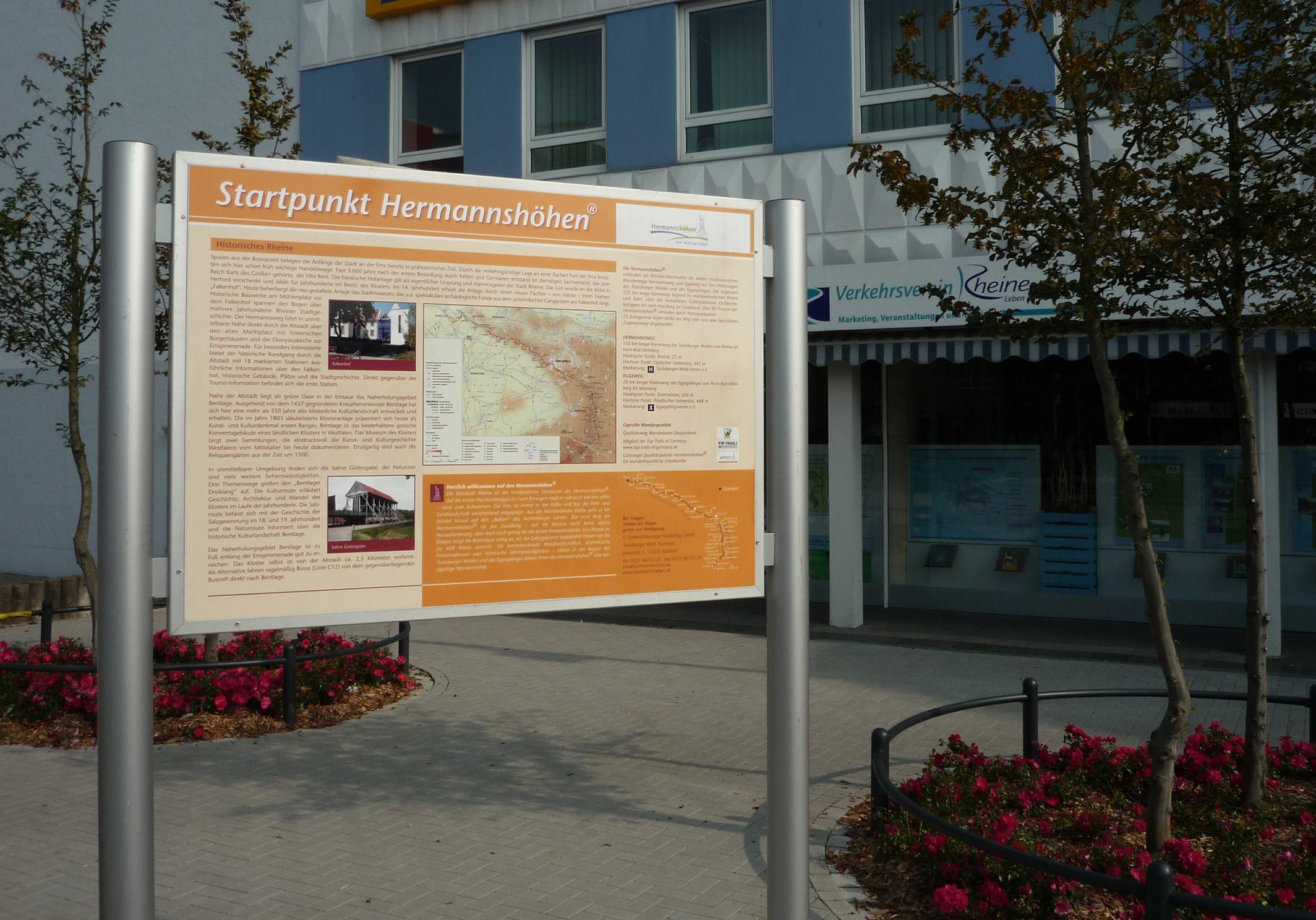 Startpunkt der Hermannshöhen an der Tourist-Info in Rheine
