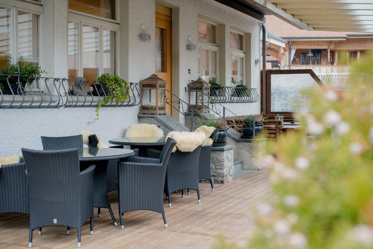 Gasthof Hirschen Oey Terrasse Stühle