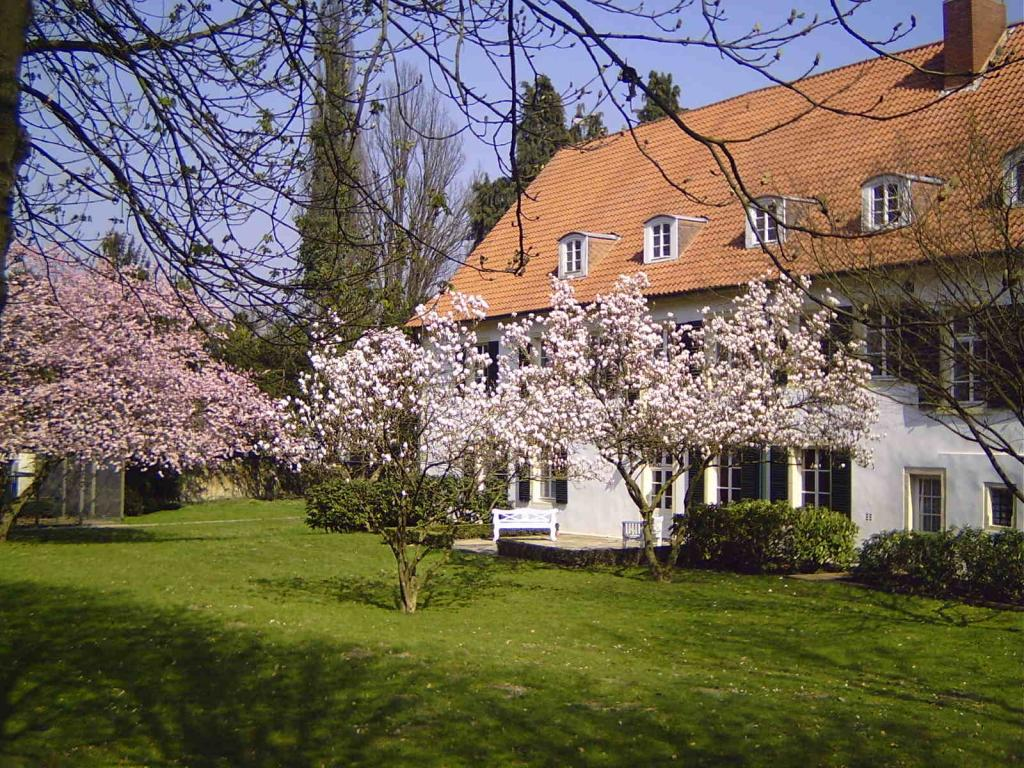 Haus des Gastes im Frühling